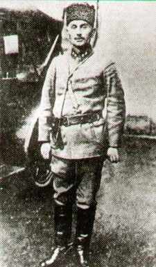 Lieutenant_Colonel_of_Militia_Topal_Osman.jpg