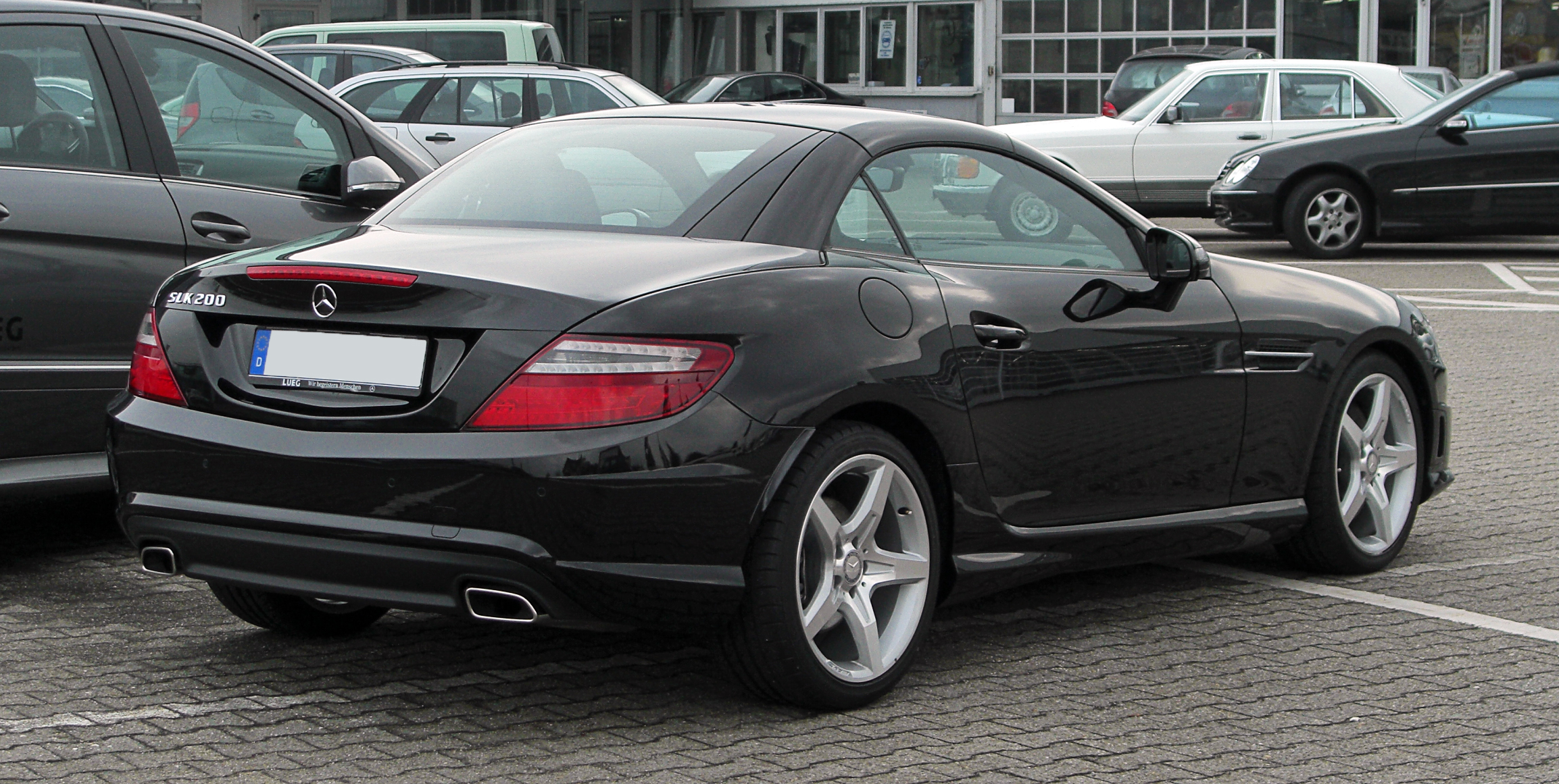 mercedes benz slk 200 blueefficiency sport paket amg r 172 heckansicht 1 april 2011. Black Bedroom Furniture Sets. Home Design Ideas