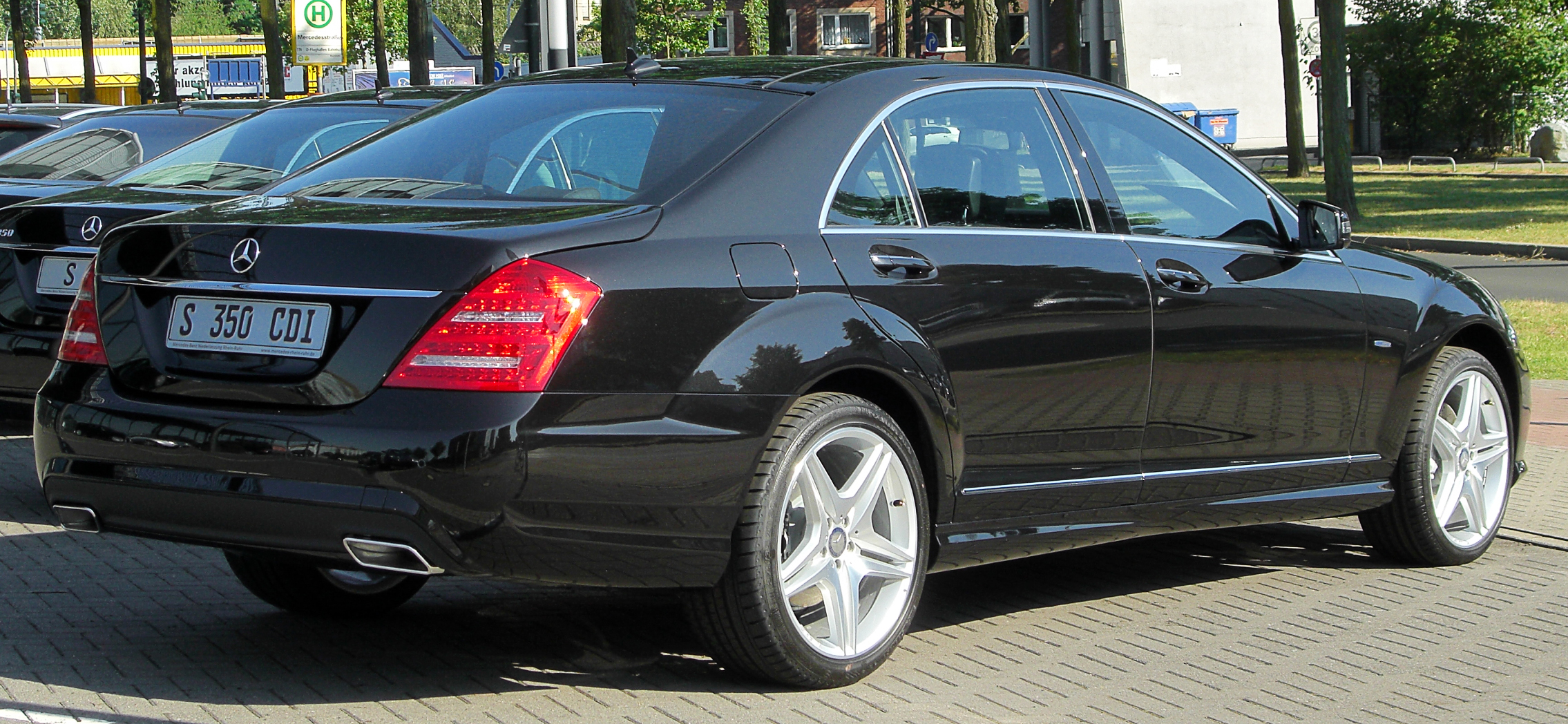 file mercedes s 350 cdi blueefficiency l amg sportpaket. Black Bedroom Furniture Sets. Home Design Ideas