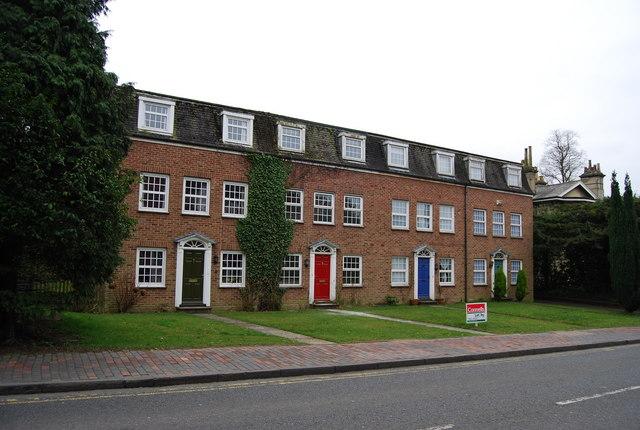 Neo Georgian file:modern neo-georgian houses, lansdowne rd - geograph.uk