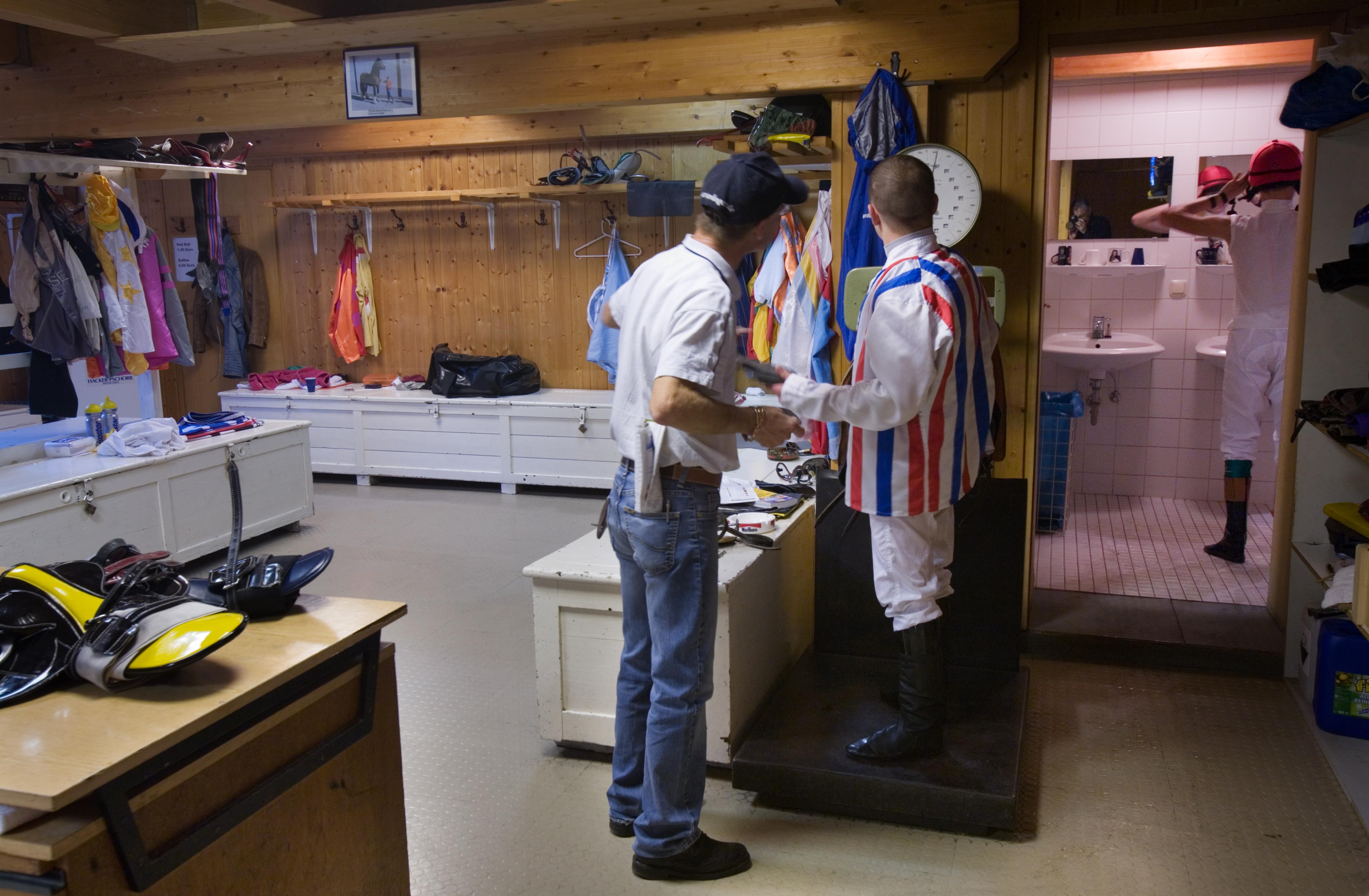 Dressing Room Changing Girls Voyeurhit