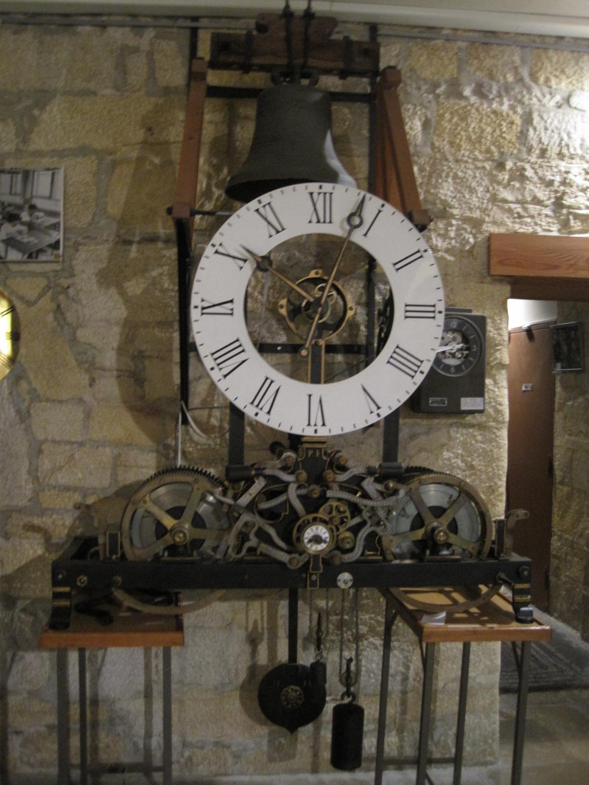 Calendar Wallpaper With Clock : Horloge de clocher — wikipédia