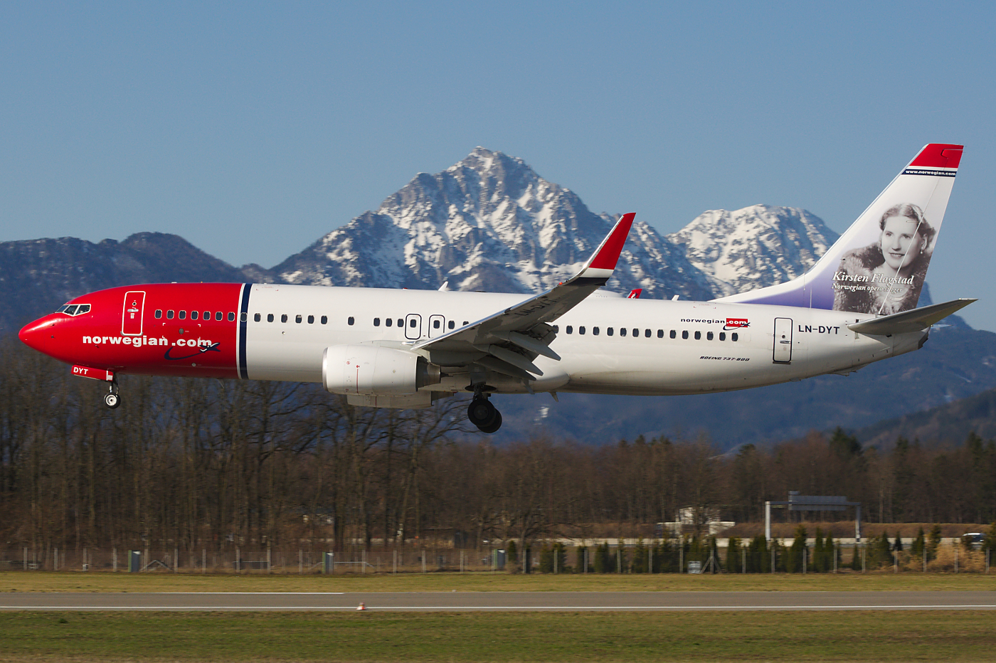 Airline Norvegian Air Shuttle (Norwegian Air Shuttle). Official sayt.2