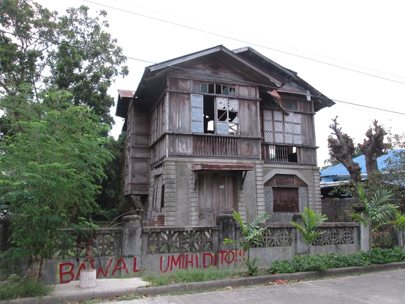 file old house at rizal corner magsaysay street sarrat