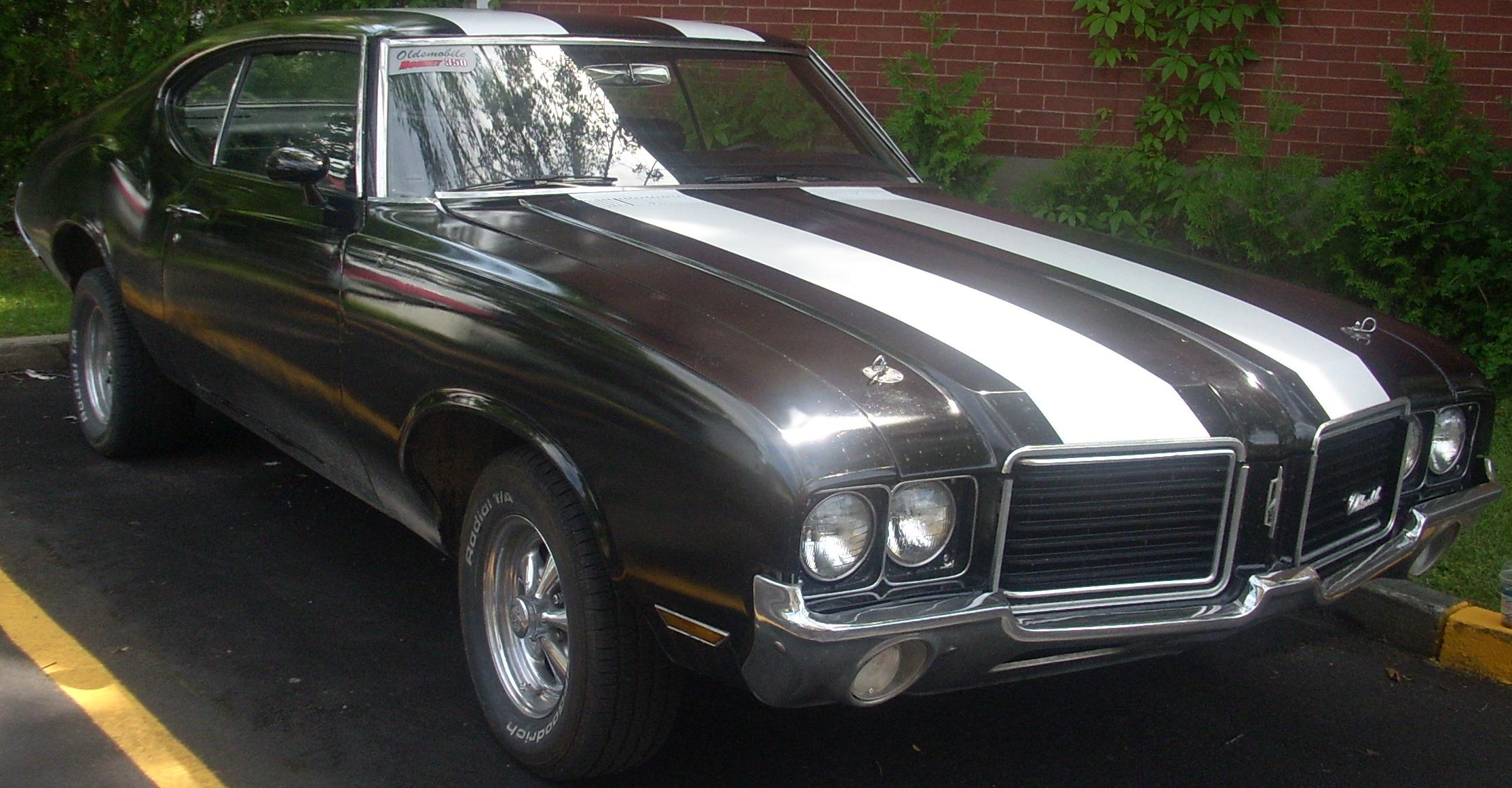 Description Oldsmobile Cutlass Rocket 350 Coupe.jpg