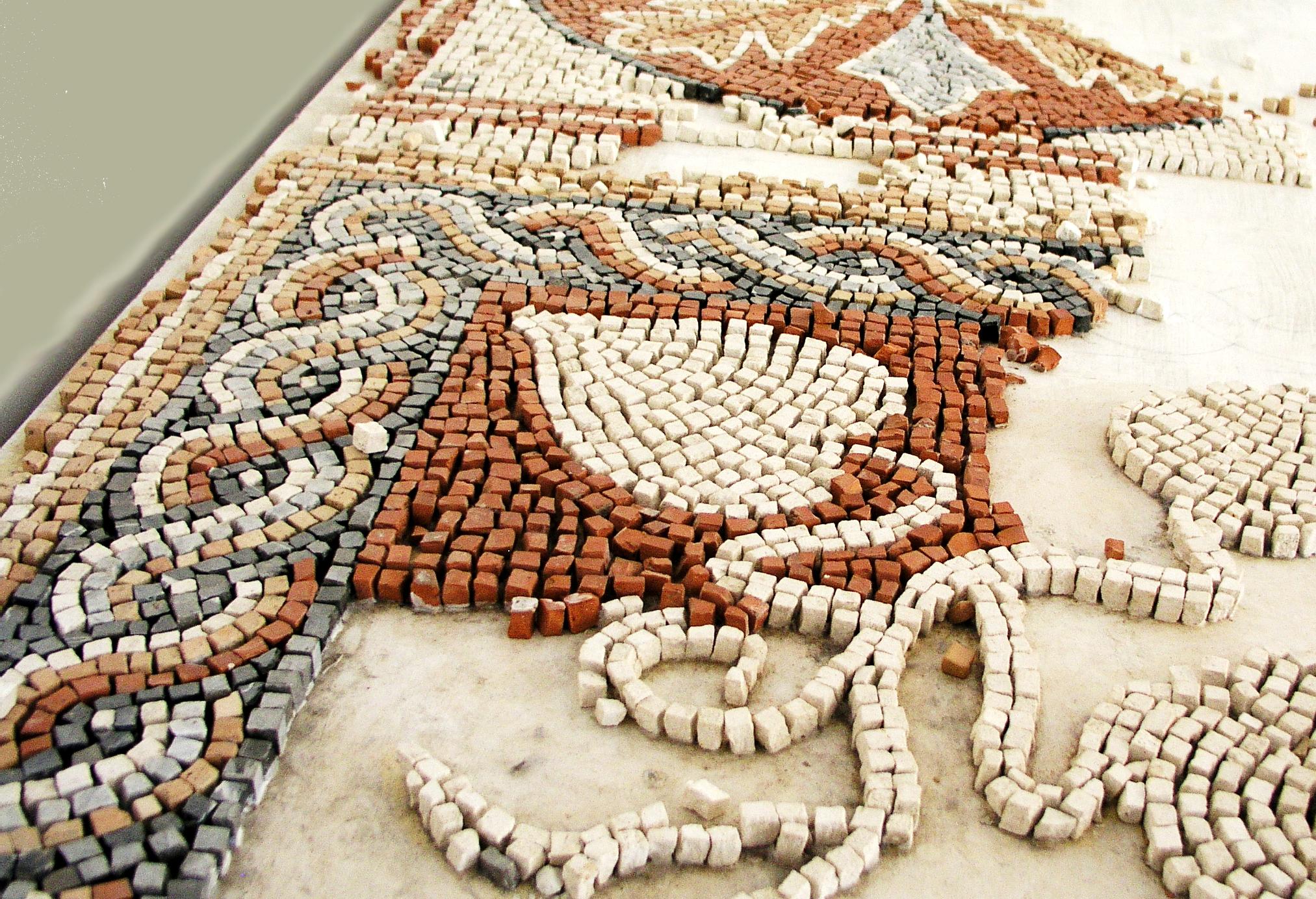 catmoz cathy artiste freelance créations mosaïque tous supports mosaique en composition