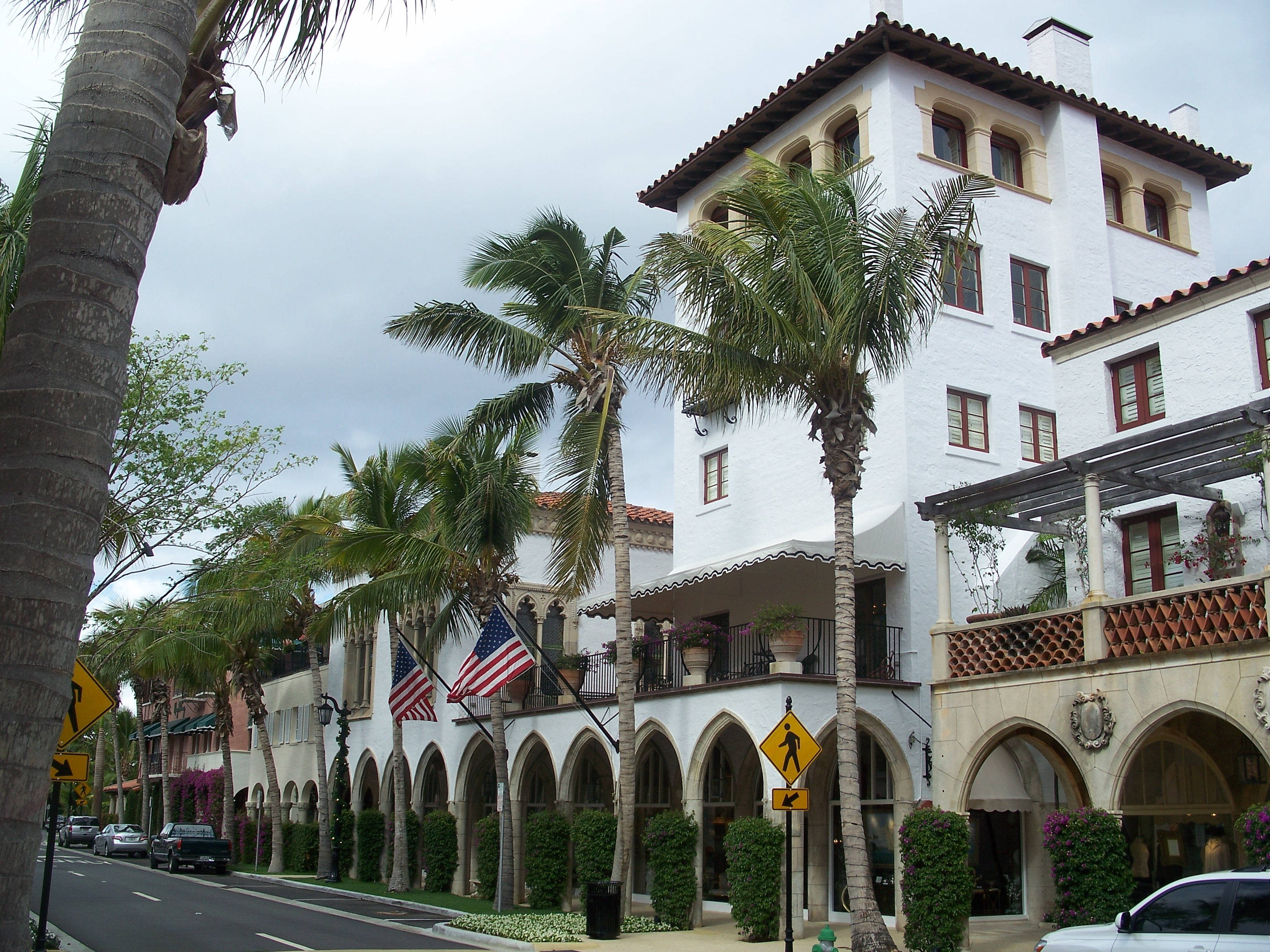 Via Mizner Palm Beach Fl