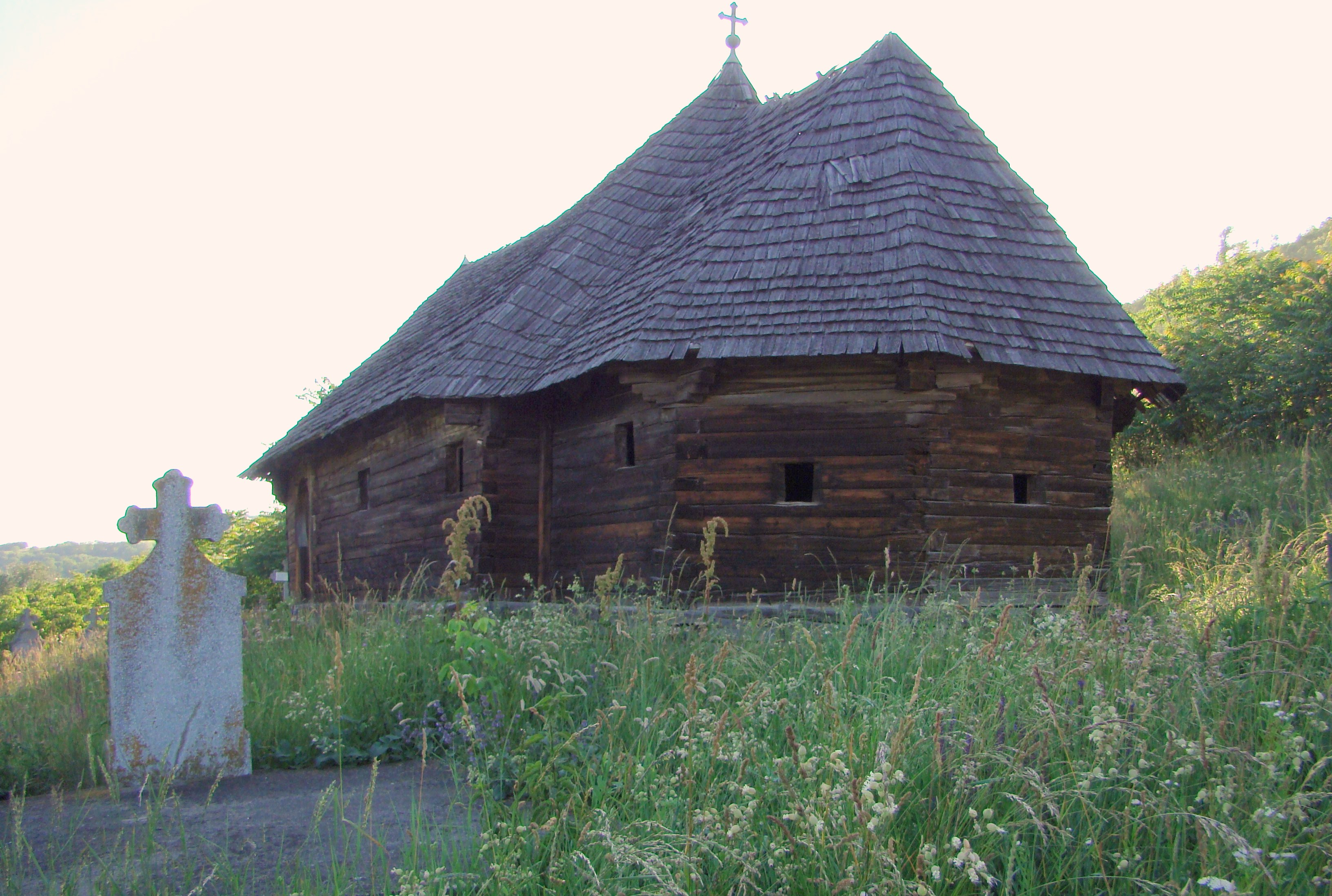 Biserica de lemn Sf. Nicolae din Cuștelnic