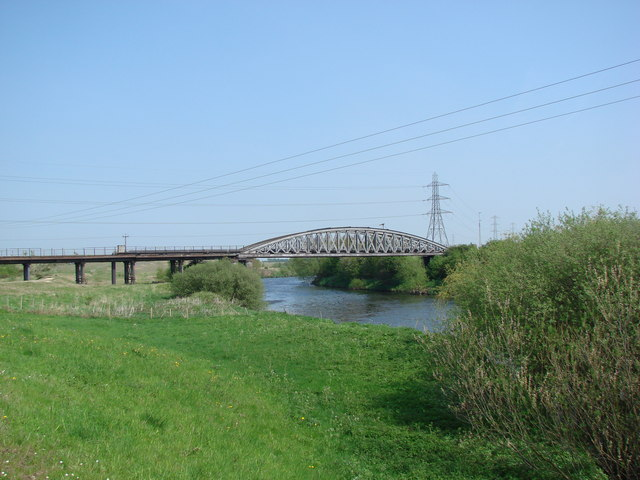 Railway Bridge over the River Aire, Castleford Ings - geograph.org.uk - 790527