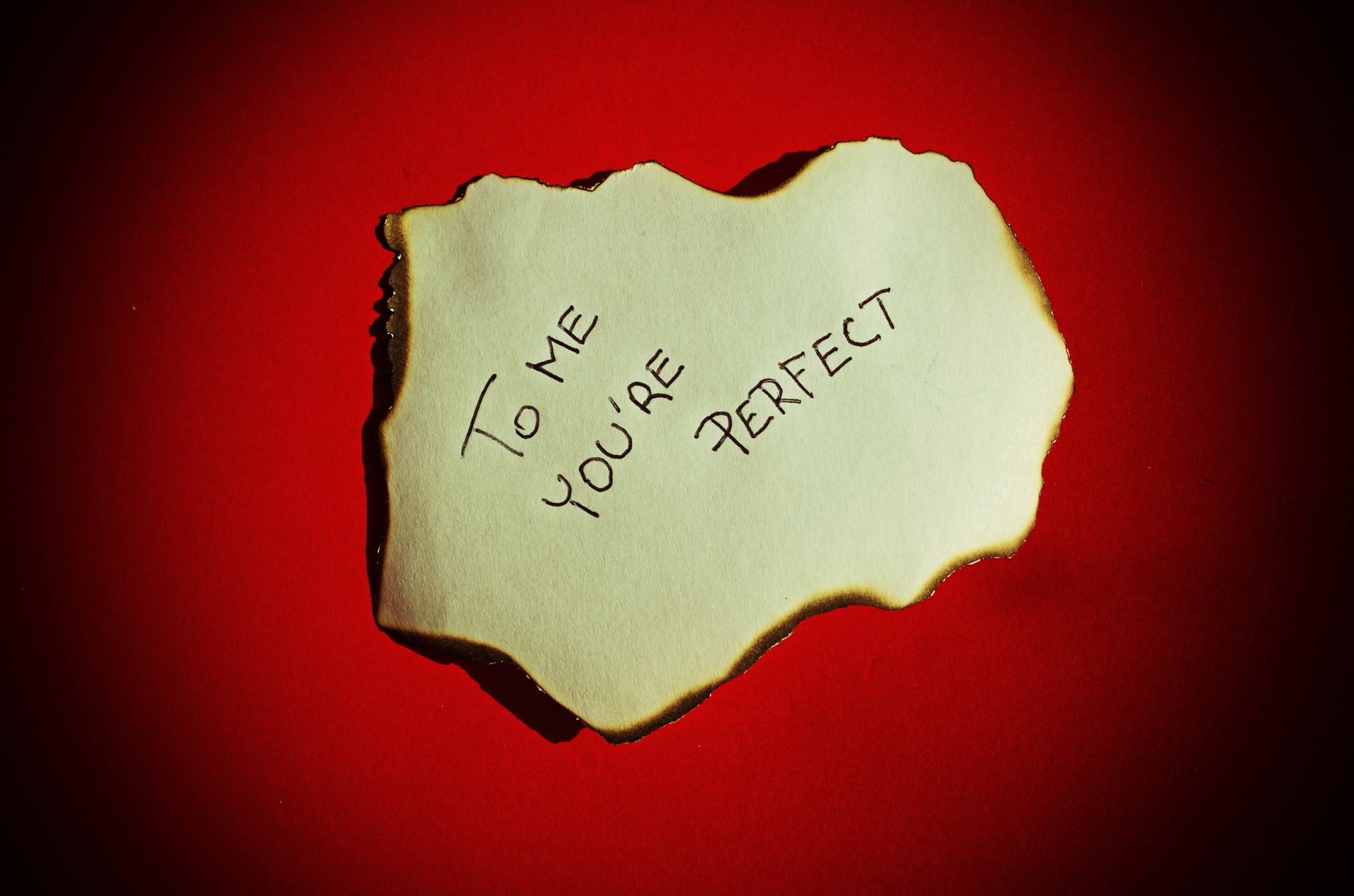 8 Reasons Old-Fashioned Love Letters Are the Best | The Date Report