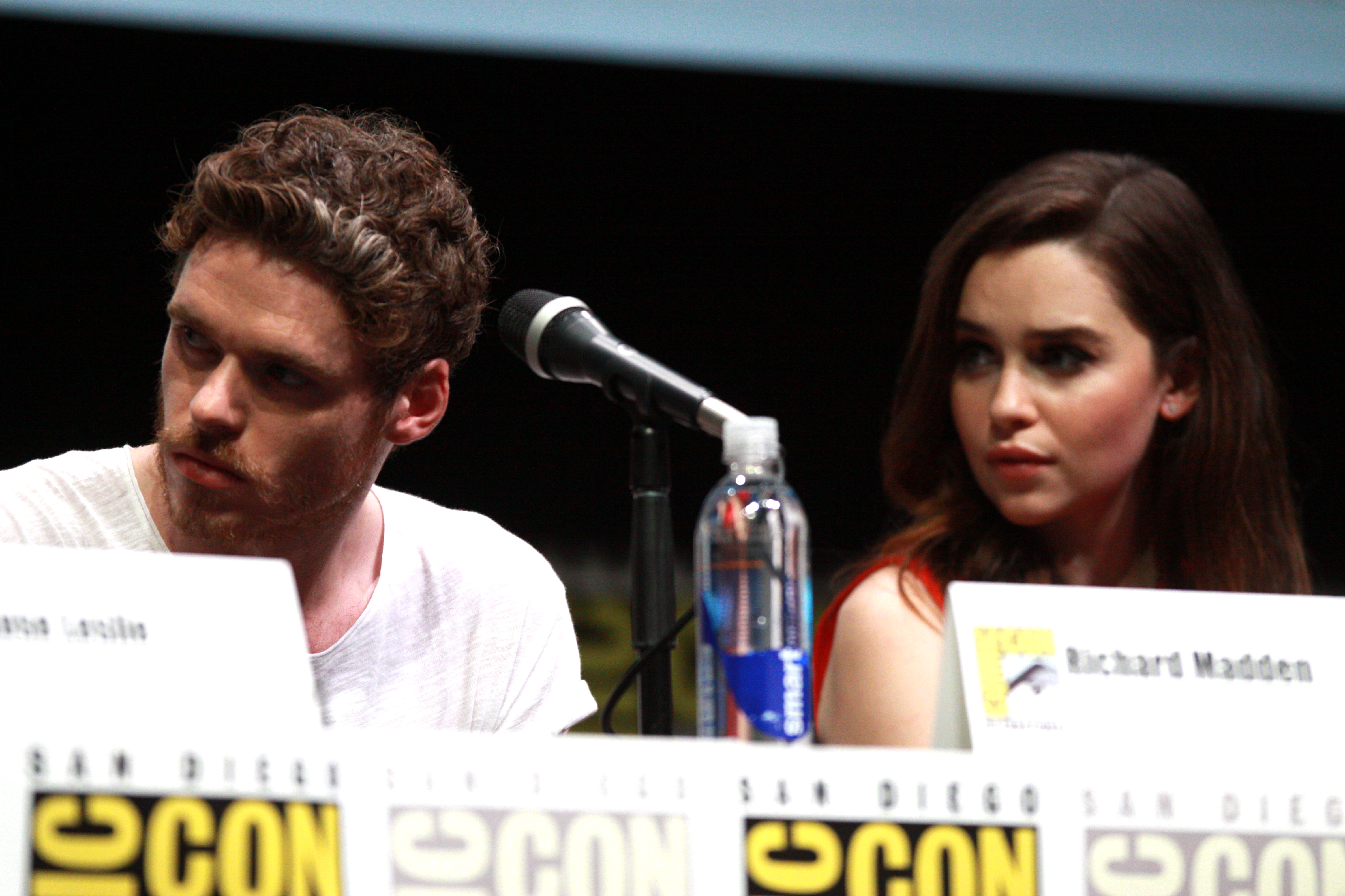 richard madden emilia clarke dating See all richard madden's marriages, divorces, hookups, break ups, affairs, and dating relationships plus celebrity photos, latest richard madden news, gossip, and biography.