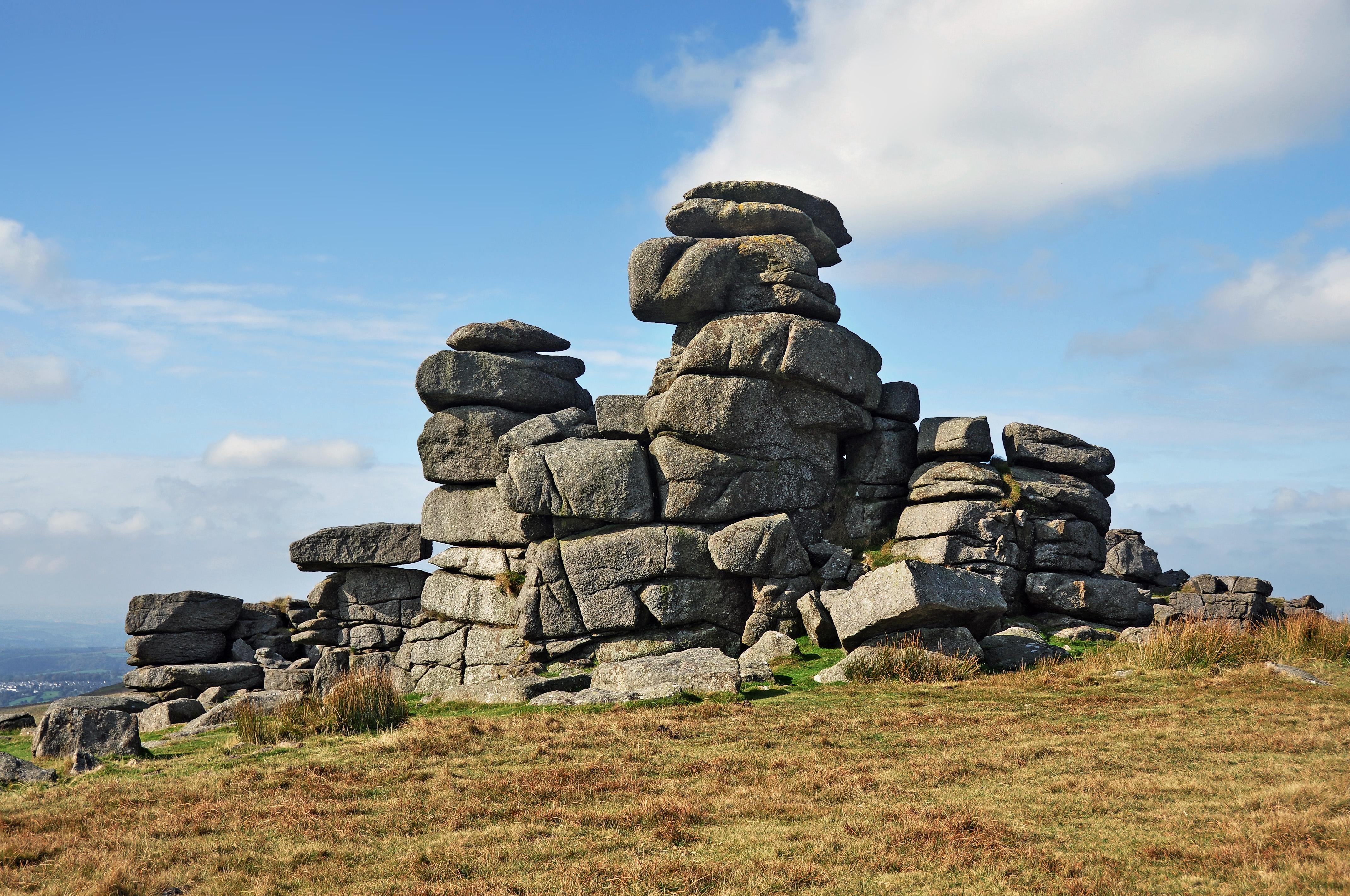 File Rocks On Great Staple Tor Jpg Wikimedia Commons
