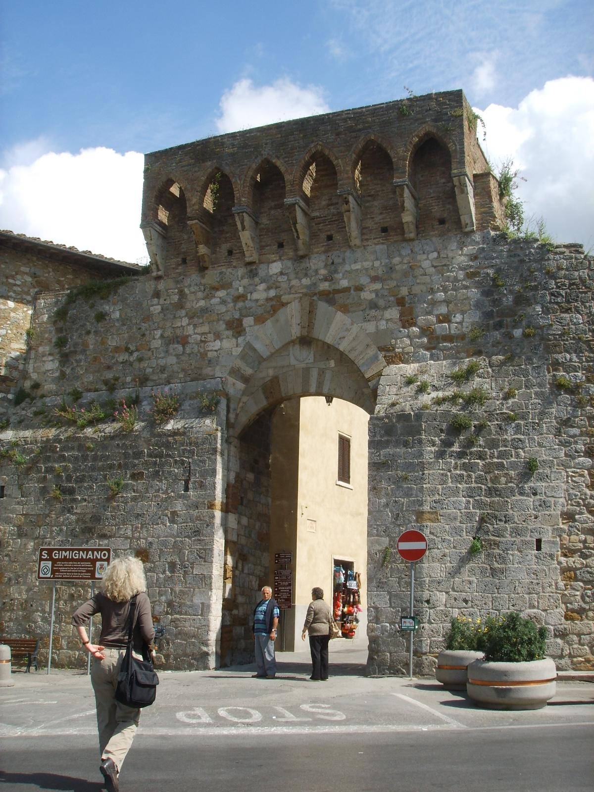 File:San gimignano, porta san matteo.JPG - Wikimedia Commons