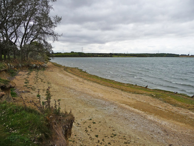 Shoreline, Grafham Water - geograph.org.uk - 1495981