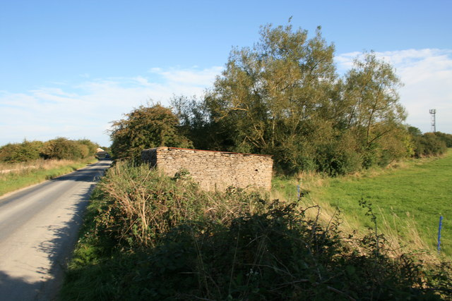 Small stone shed Beside Hen & Chick lane.