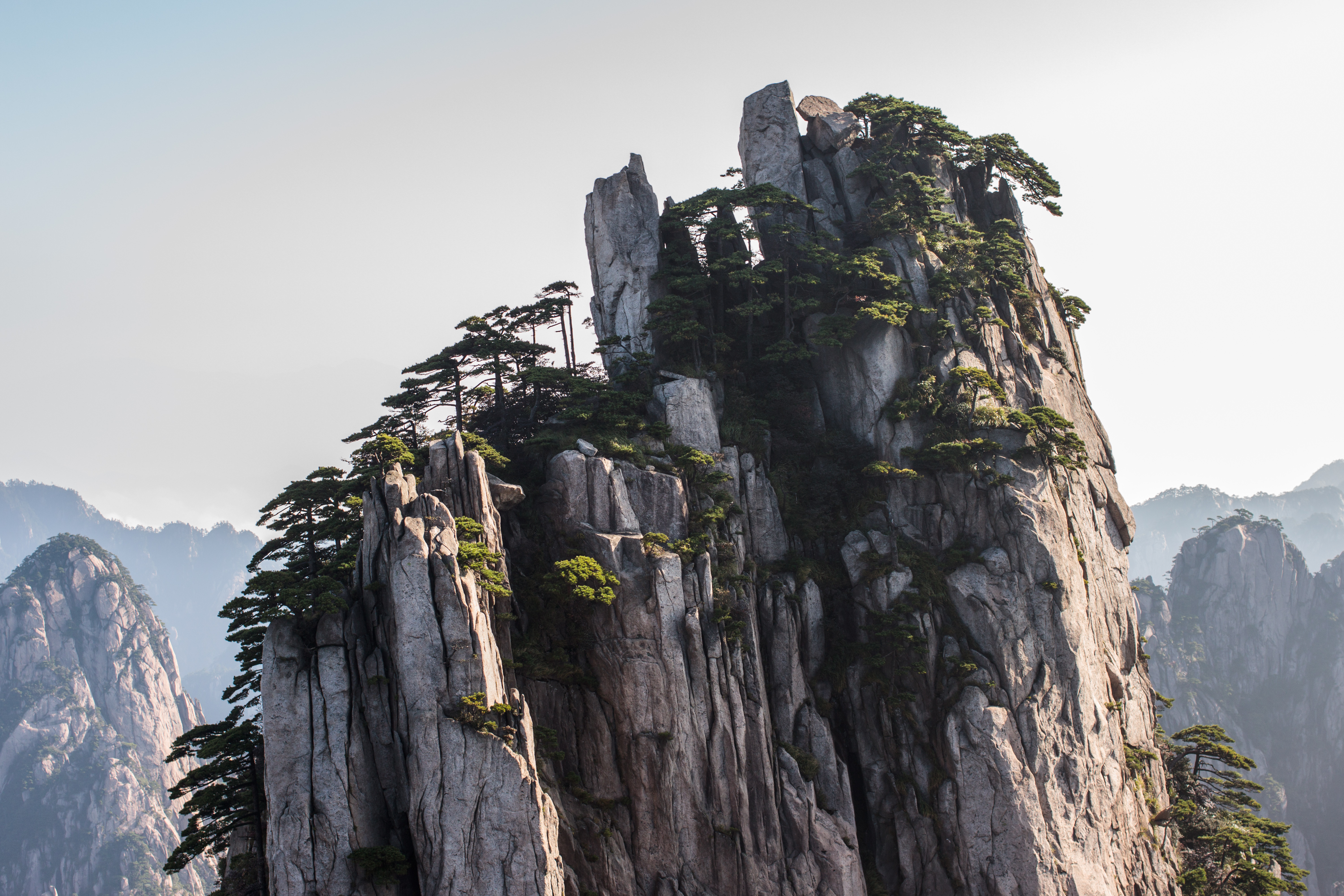 File:Sommet d'un pic - HuangShan.jpg - Wikimedia Commons