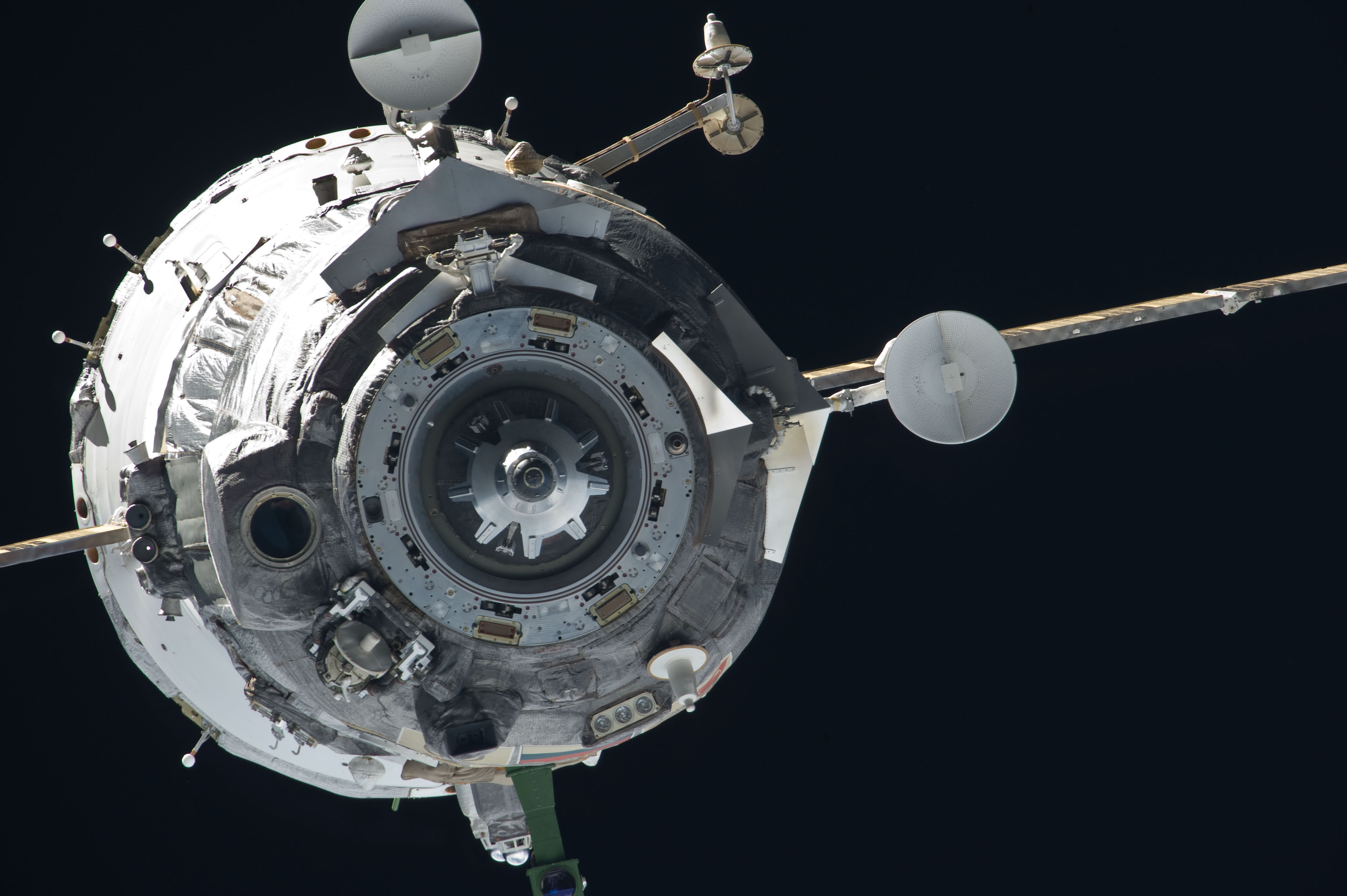 spacecraft in space - photo #6