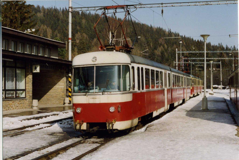 Starý Smokovec, nádraží, jednotka 420, rok 1993 (1).jpg