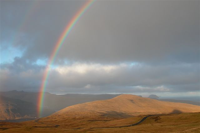 File:Suðuroy rainbow2.jpg