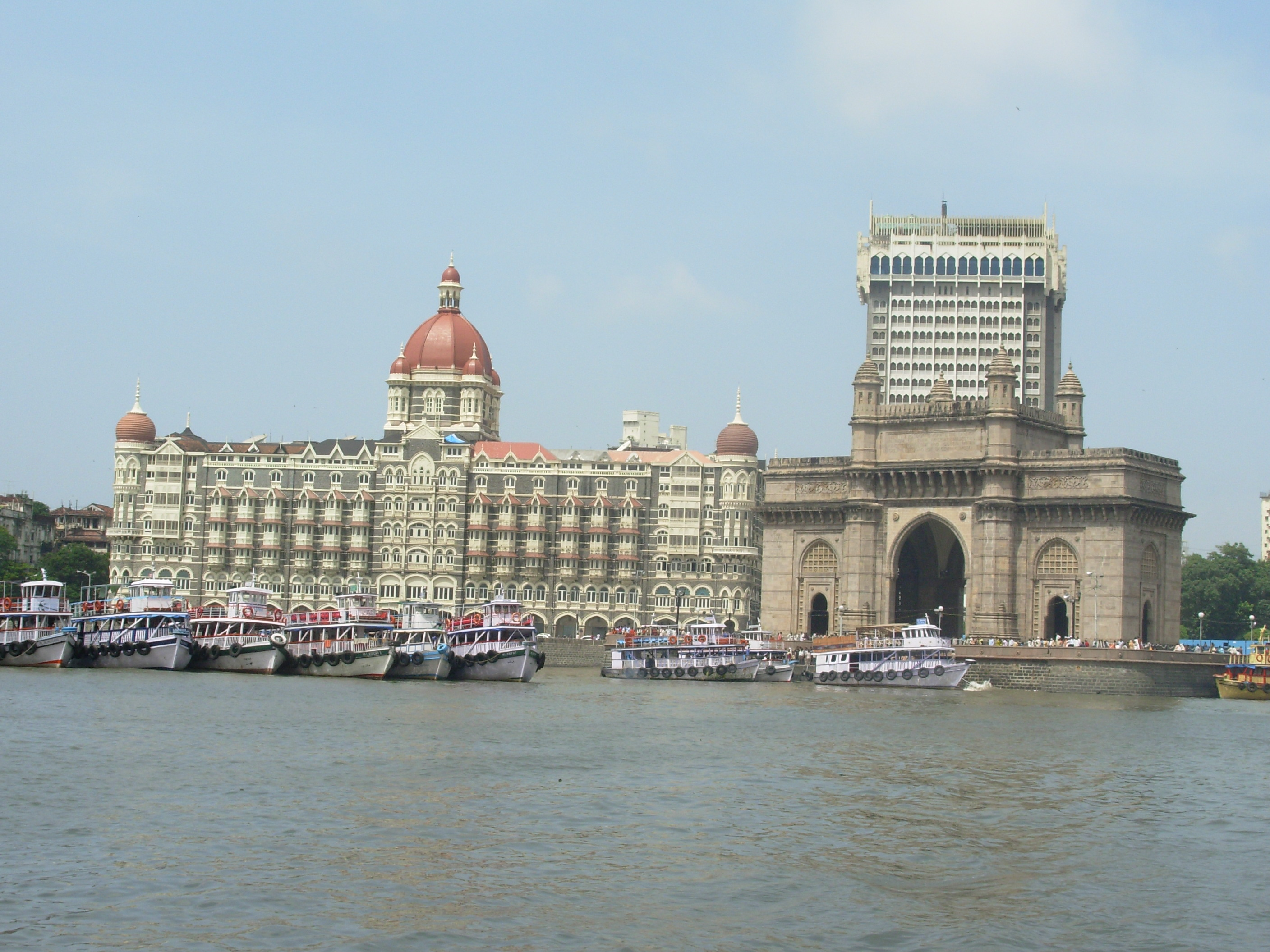 how to see the taj mahal from mumbai