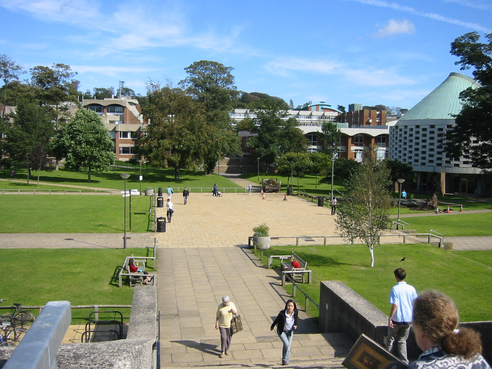 File:University of Sussex in front of the Library.jpg