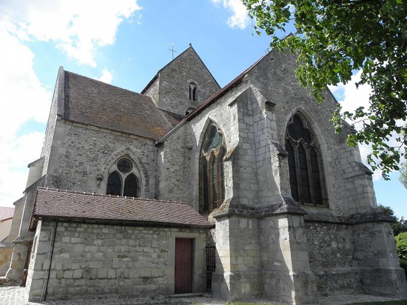 Église Saint-Rémi de Verneuil (51). Chevet et croisillon sud.