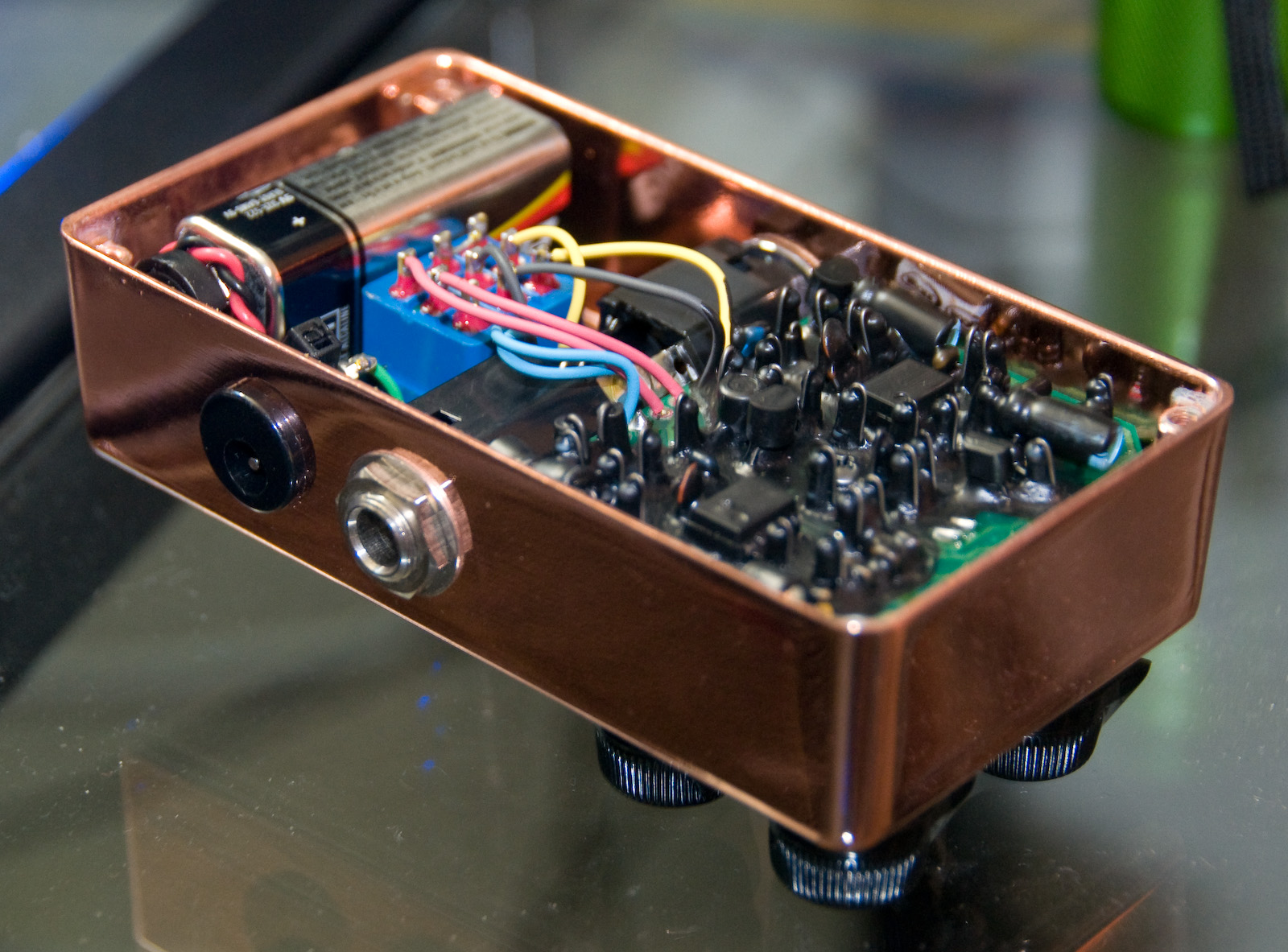 File:Xotic BB Preamp (Copper) - Internal.jpg - Wikimedia Commons on