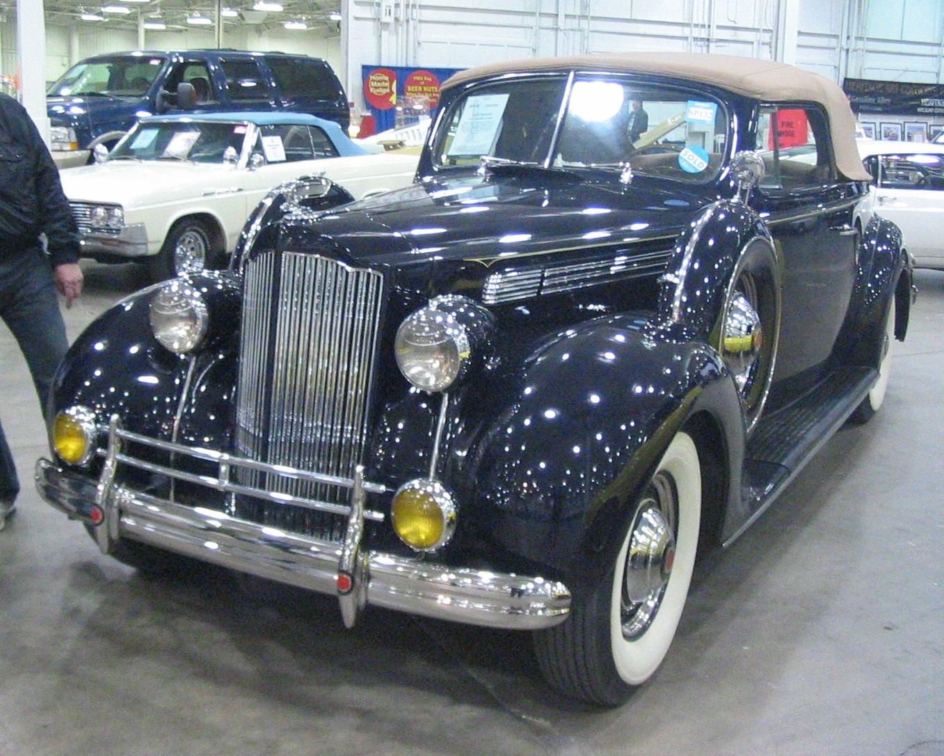 File:\'39 Packard (Toronto Spring \'12 Classic Car Auction).JPG ...