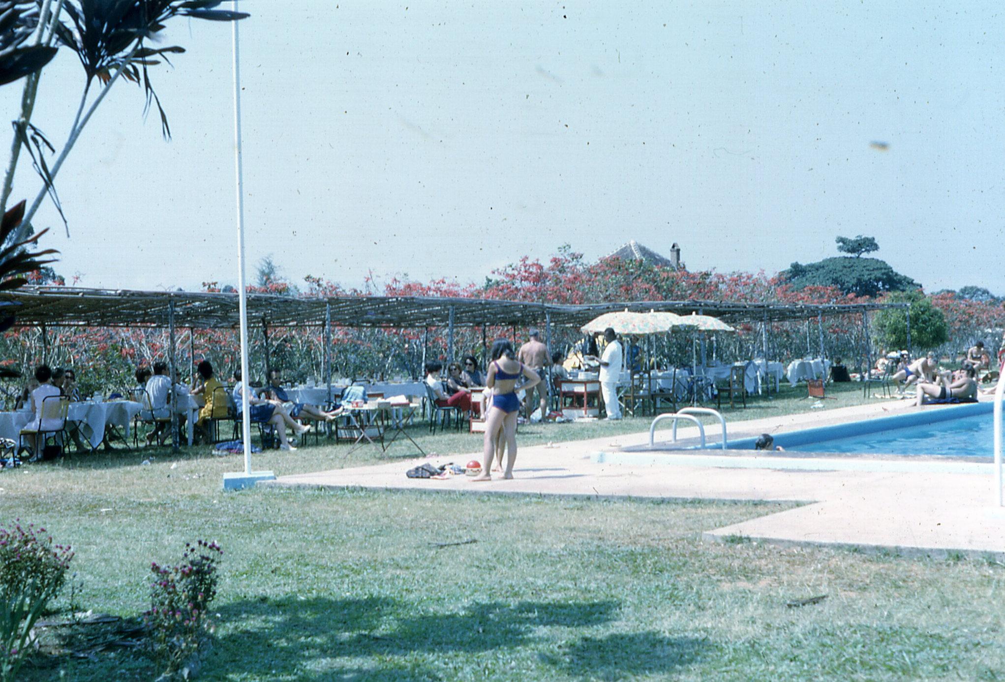 File 016g Cam117 Dschang Centre Climatique En 1967 Un