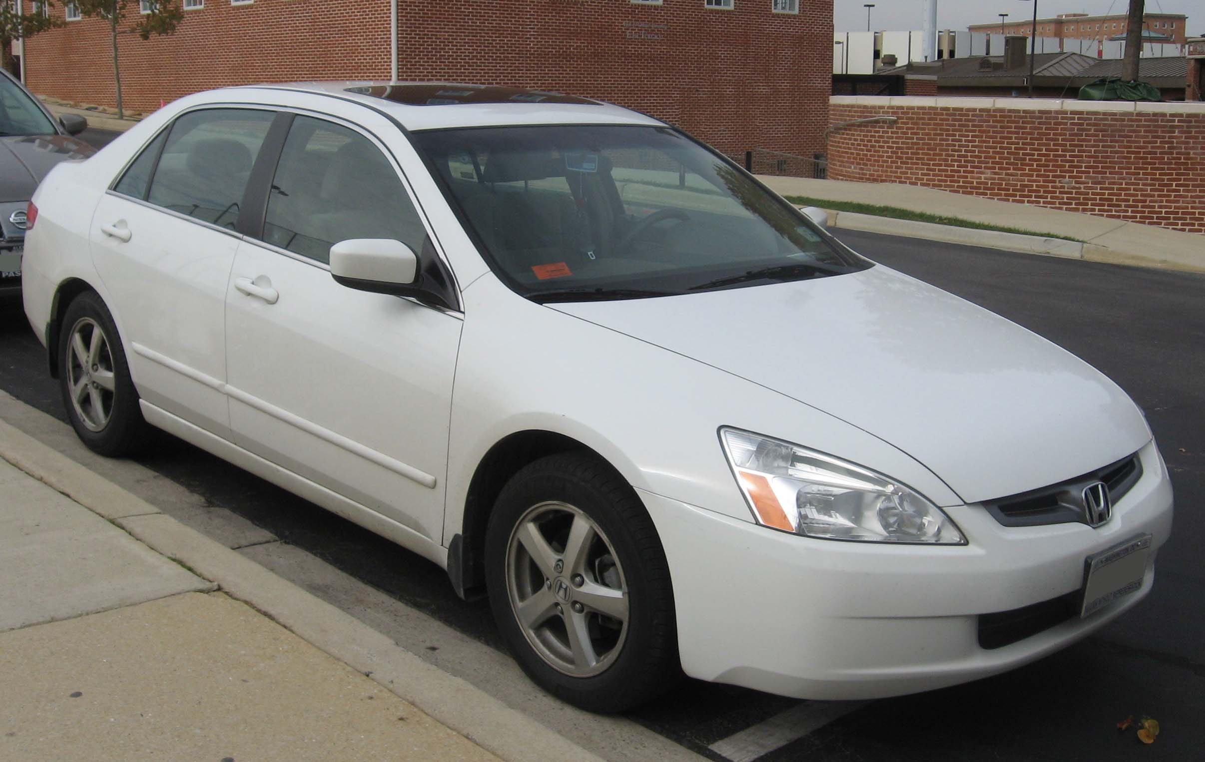 Description 03-04 Honda Accord EX.jpg