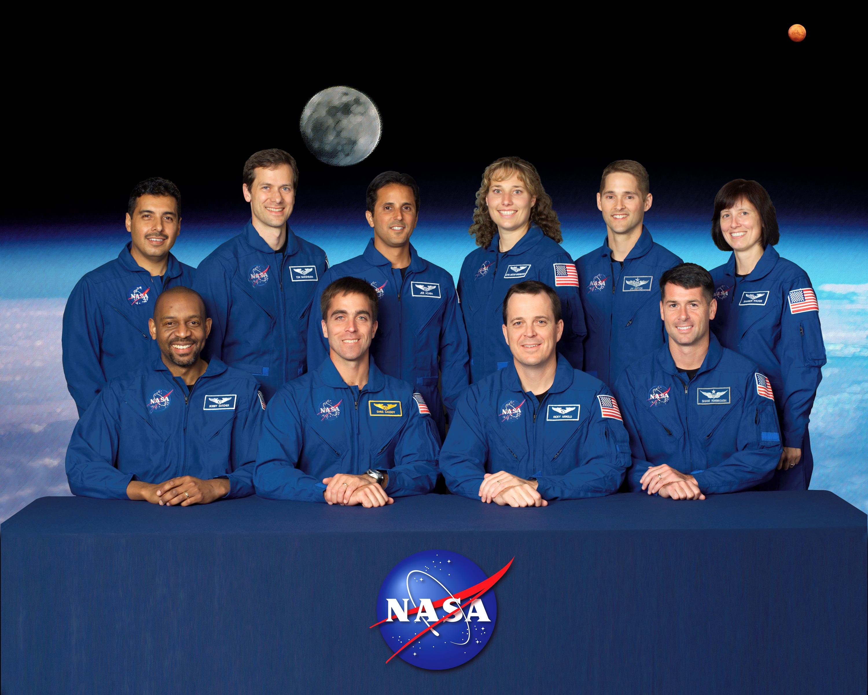 File:2004 class of astronauts.jpg - Wikimedia Commons