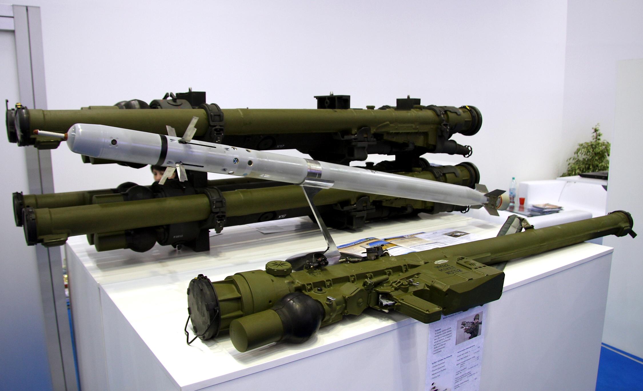 Piezas ZU-23-2/2A13 (ZU-23/ZOM-1-4) de 23mm 9K338_Igla-S_%28NATO-Code_-_SA-24_Grinch%29