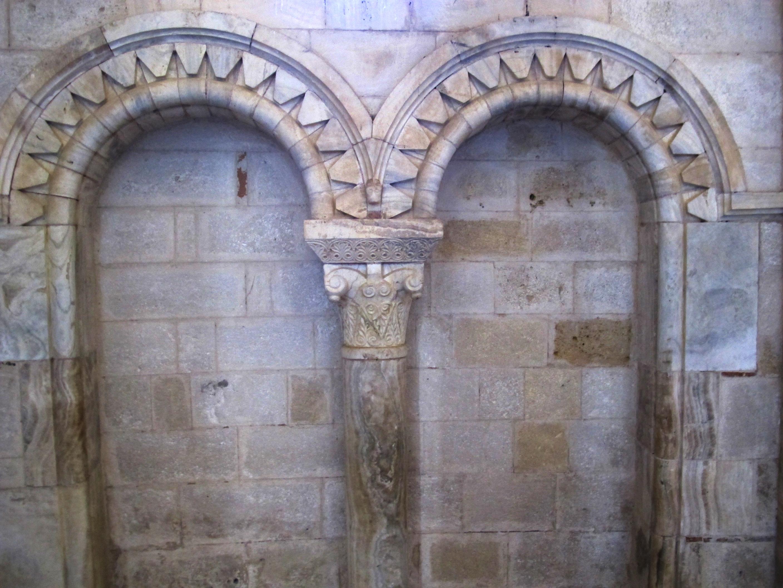 File Abbazia Di Sant 39 Antimo Interno 09 Jpg Wikimedia