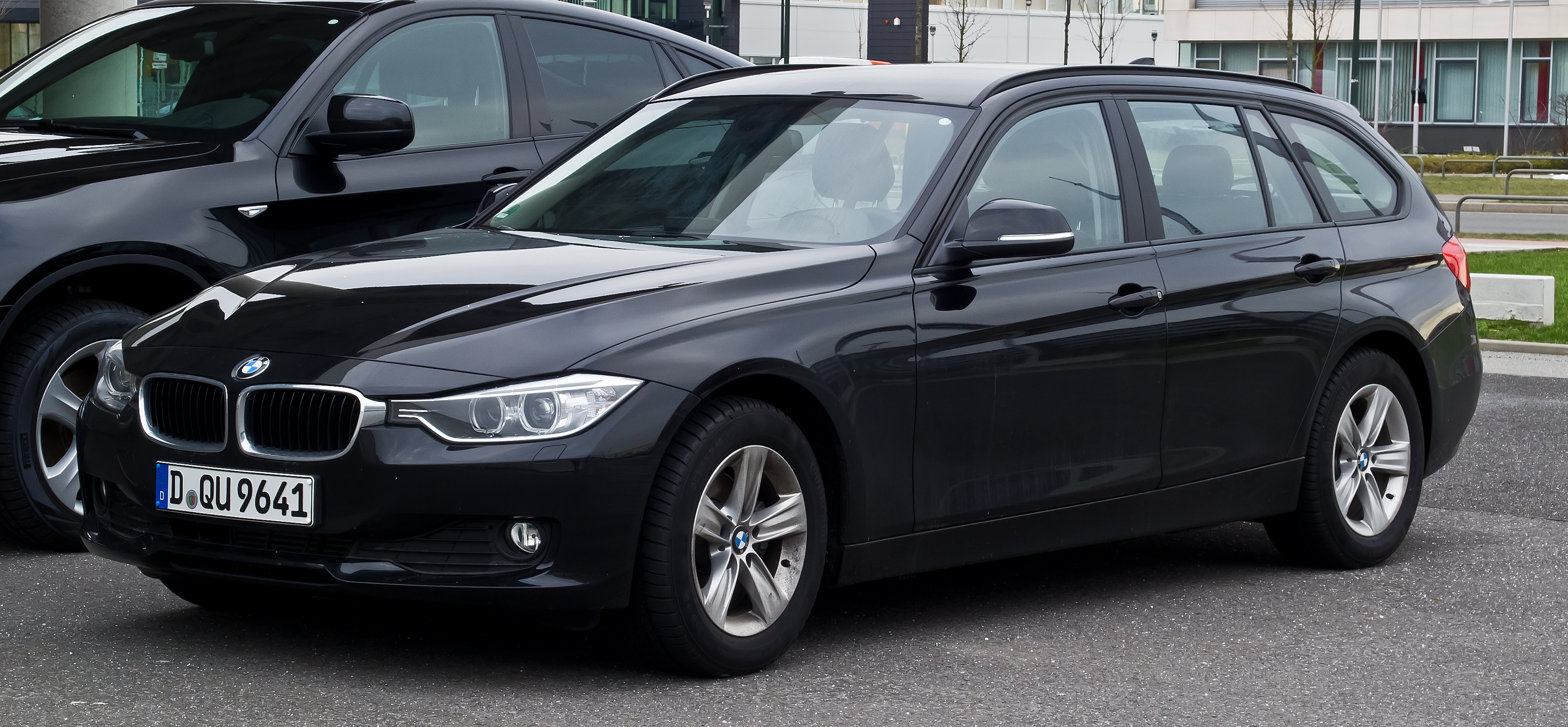 file bmw 320d touring f31 frontansicht 11 februar. Black Bedroom Furniture Sets. Home Design Ideas