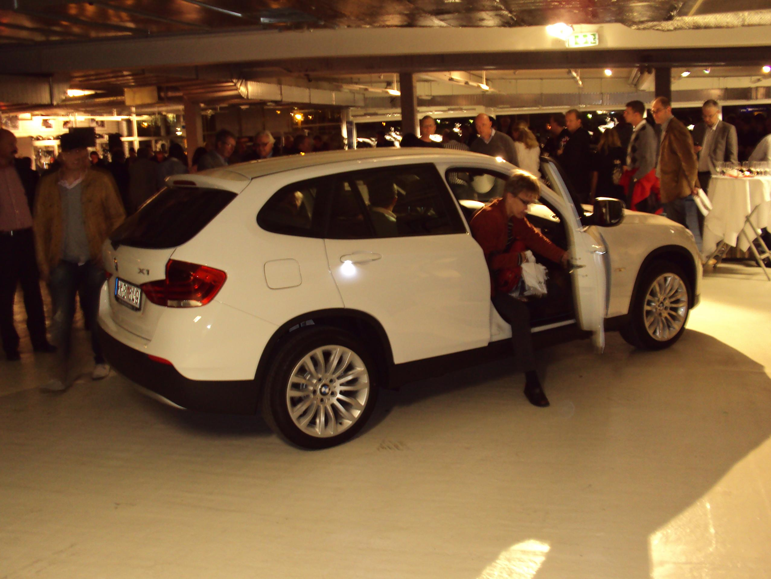 File BMW X1 2 0d Wikimedia mons