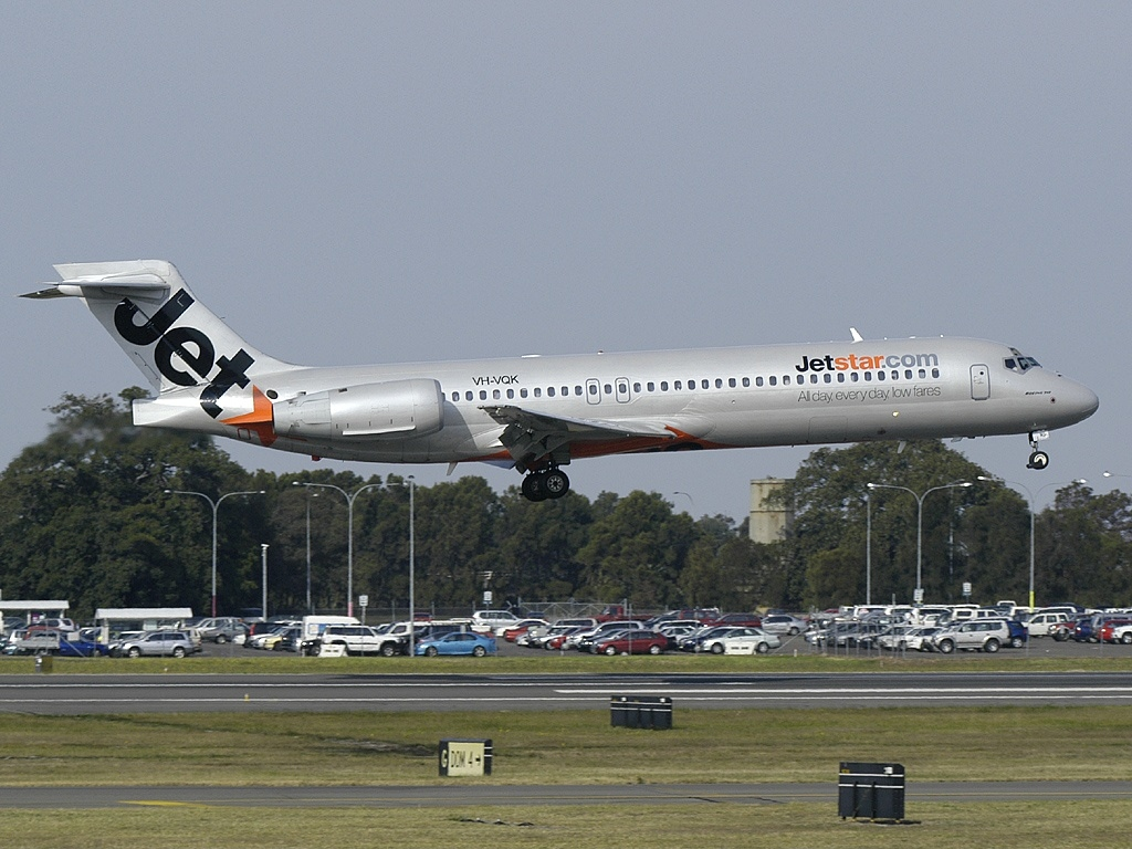 File:Boeing 717-231, Jetstar Airways AN0859569.jpg ...