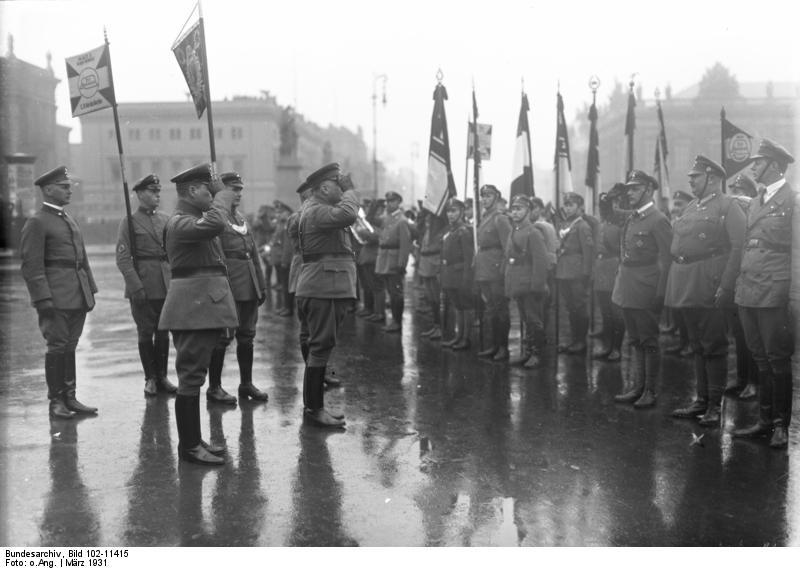 File:Bundesarchiv Bild 102-11415, Berlin, Lustgarten, Stahlhelmaufmarsch.jpg
