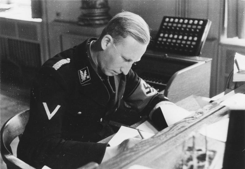 File:Bundesarchiv Bild 152-50-10, Reinhard Heydrich.jpg