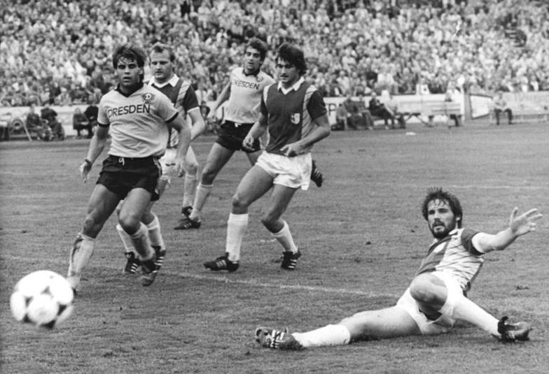 Bundesarchiv Bild 183-1986-0823-011, SG Dynamo Dresden - 1. FC Magdeburg 2-2