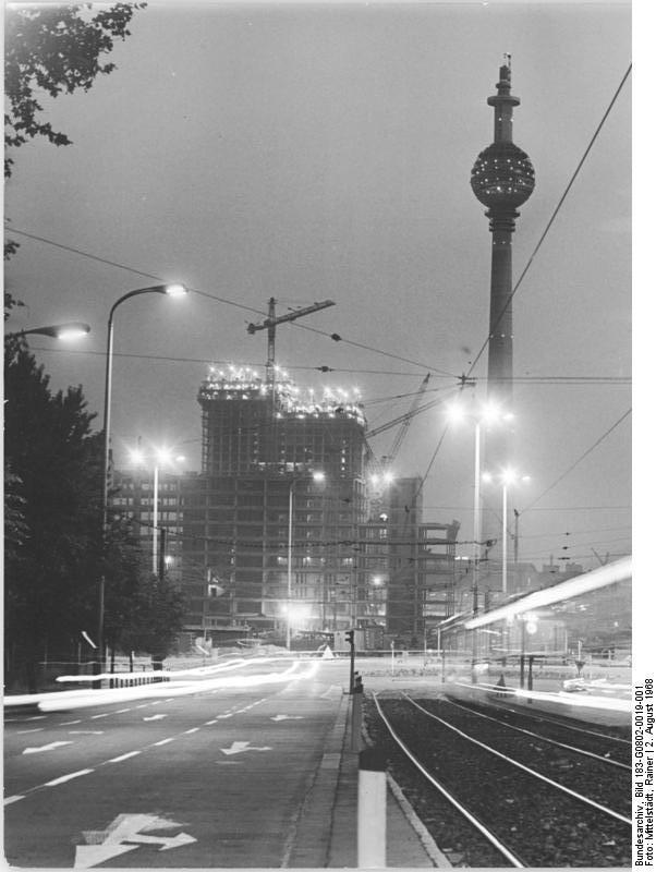 Filebundesarchiv Bild 183 G0802 0019 001 Berlin Fernsehturm