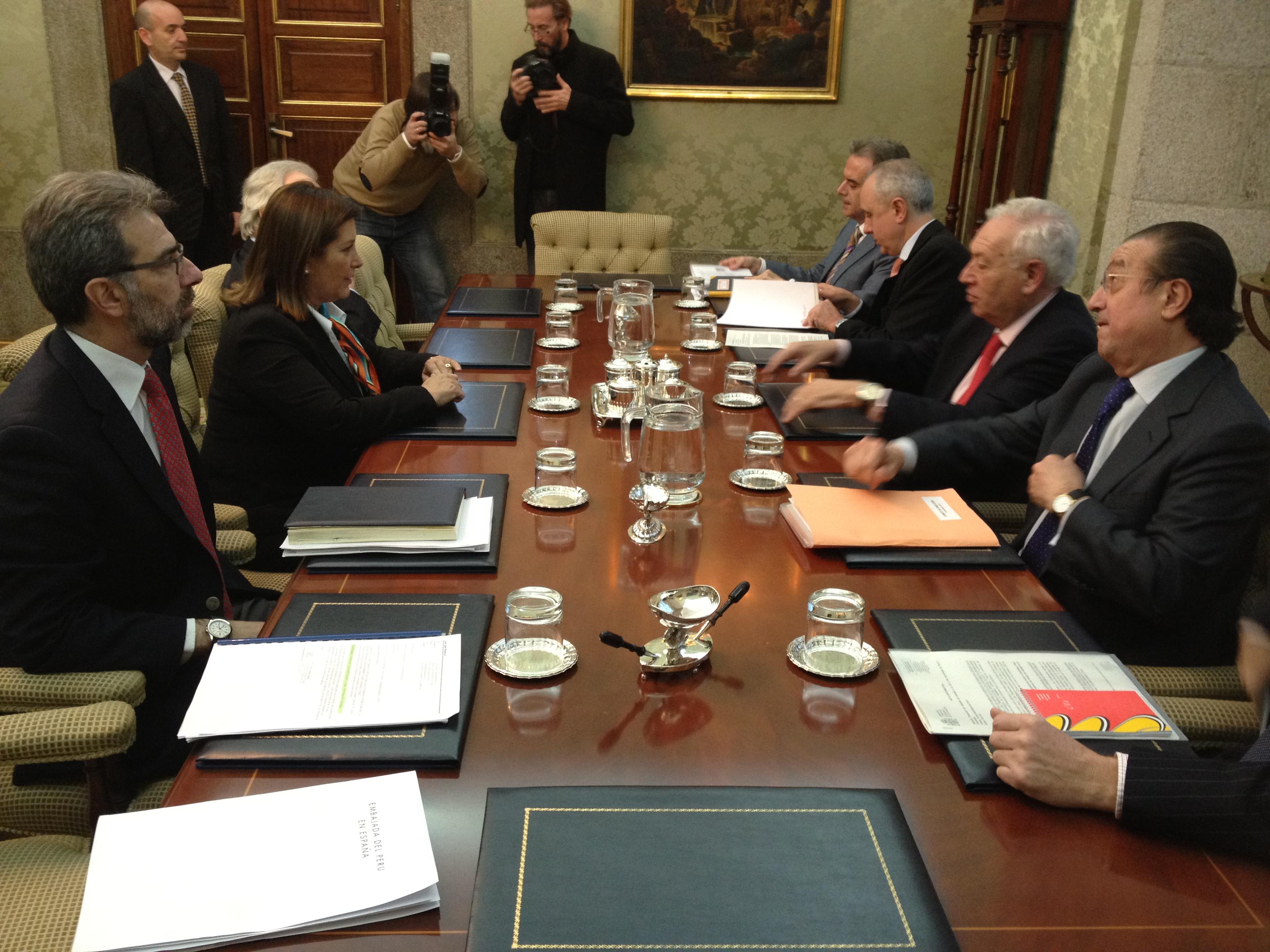File Canciller Eda Rivas Se Reune Con Ministro De Asuntos Exteriores
