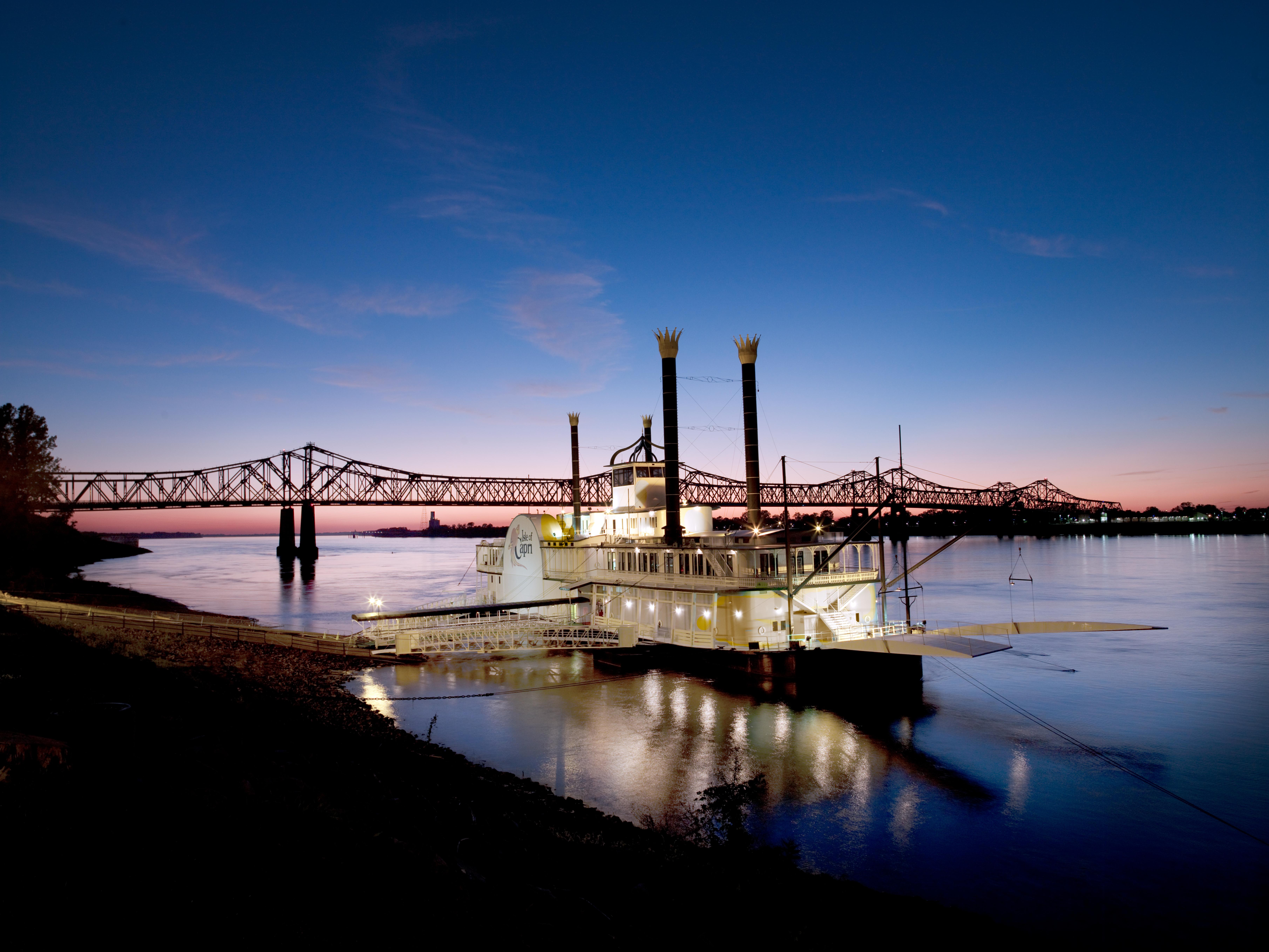 Mississippi river gambling boat casino charles hotel lac lake