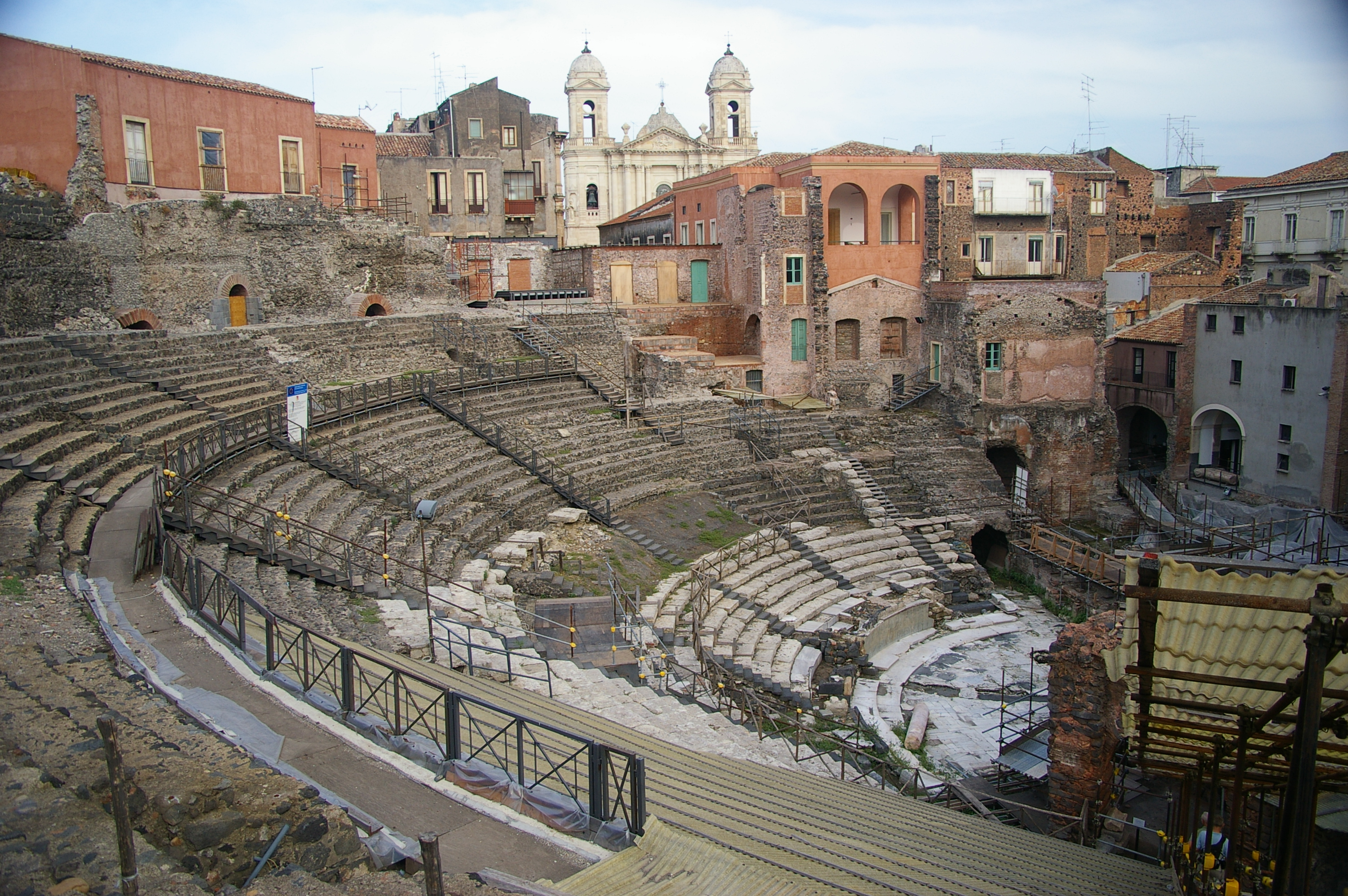 Description Catania Greek-Roman theater.JPG
