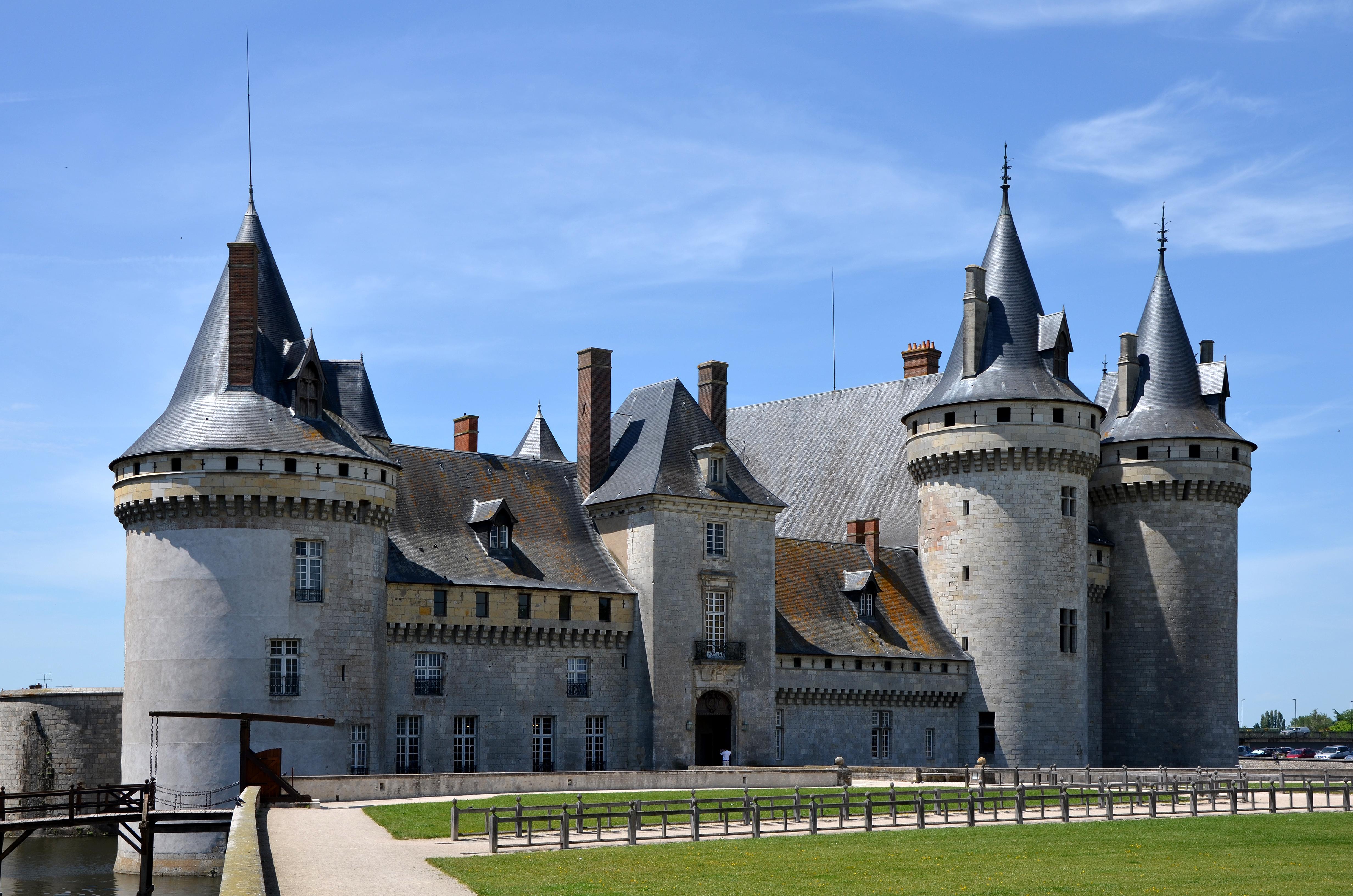 File chateau de sully sur loire jpg wikimedia commons for Clair logis sully sur loire