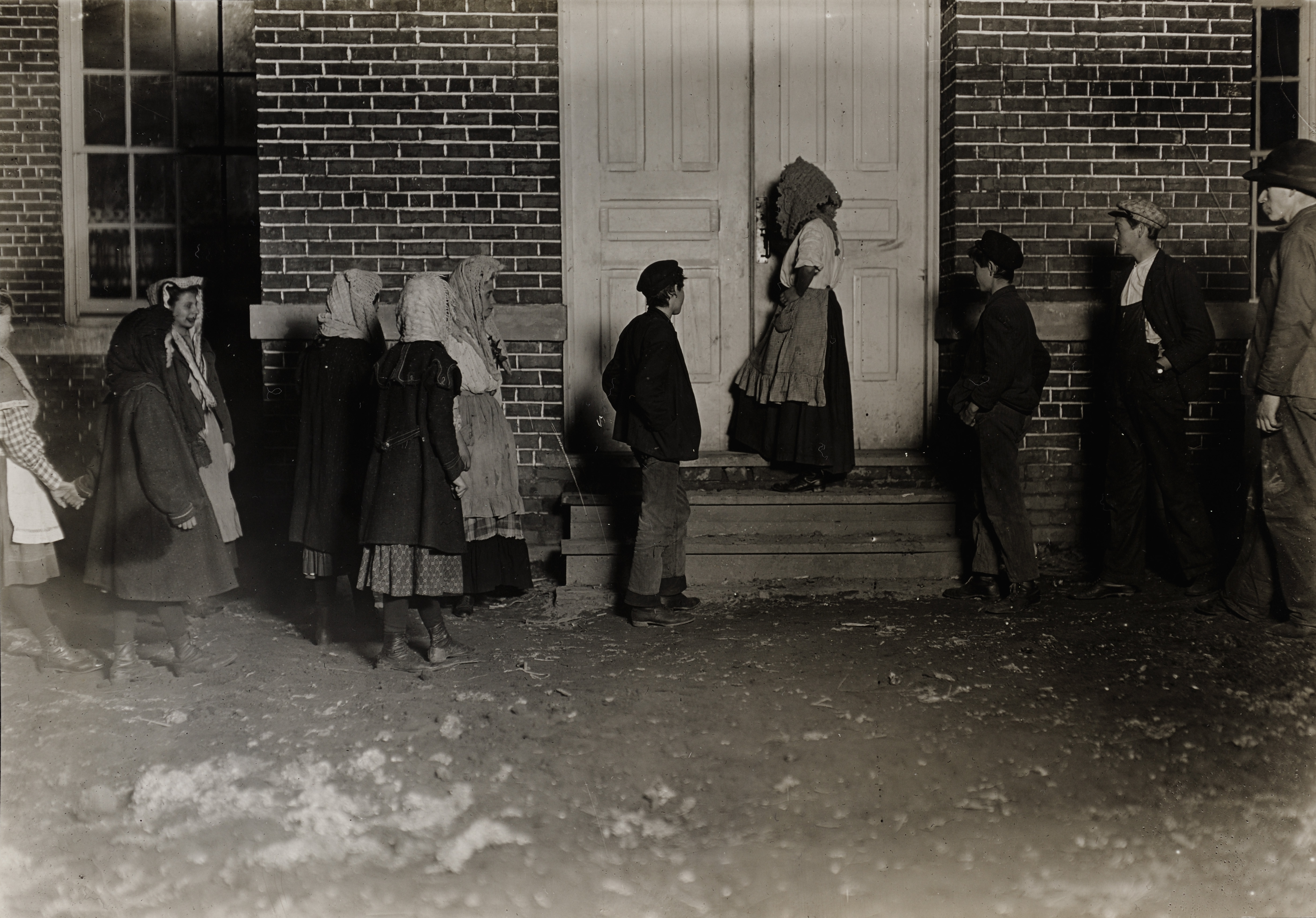 File:Child Labor in United States 1908, 12 hour night shifts.jpg
