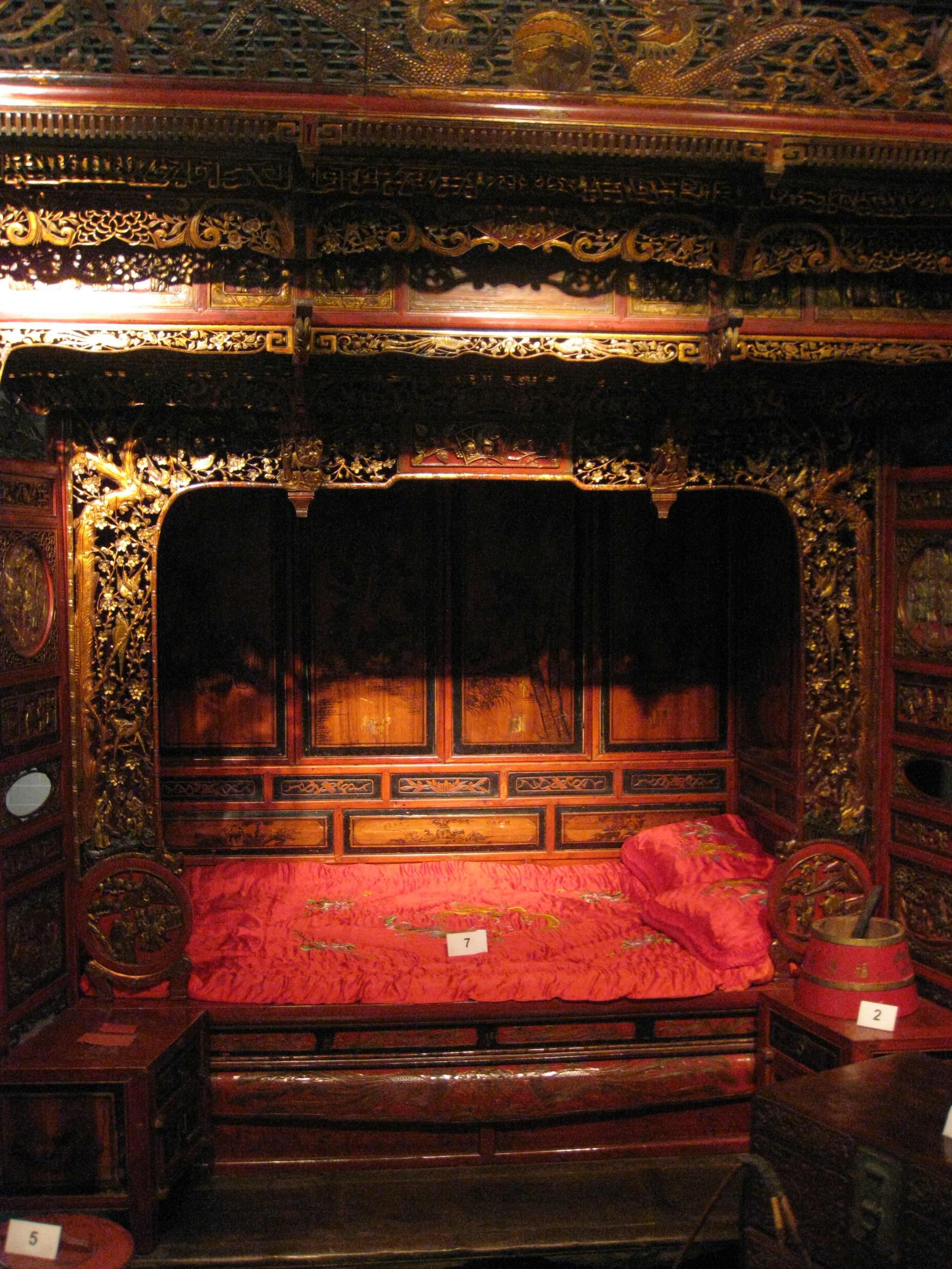 file chinese wedding bed img 5411 jpg wikimedia commons
