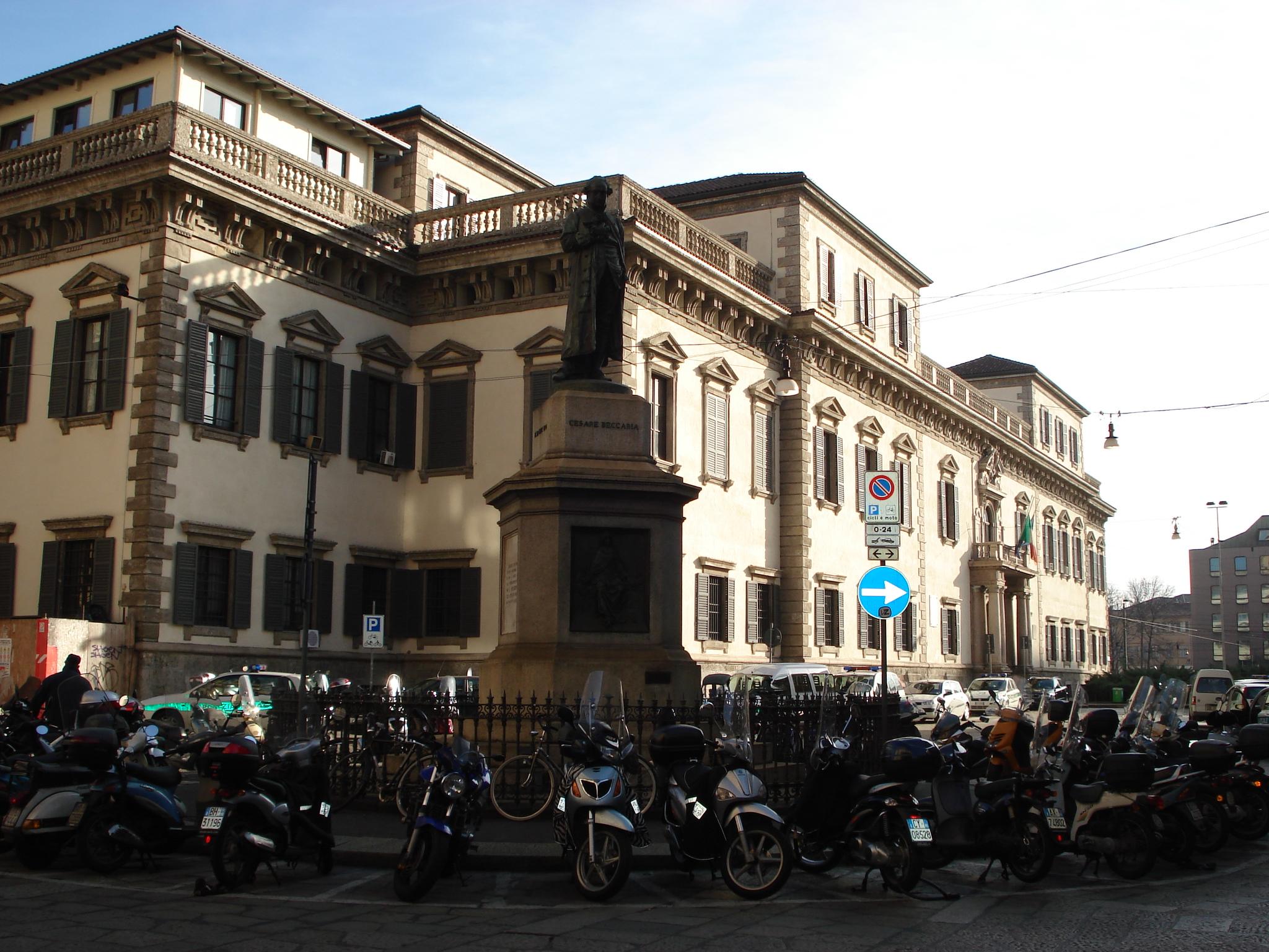 File dsc02905 milano piazza beccaria monumento a for Piazza beccaria