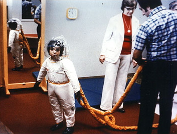 David Vetter's space suit - Wikimedia Commons