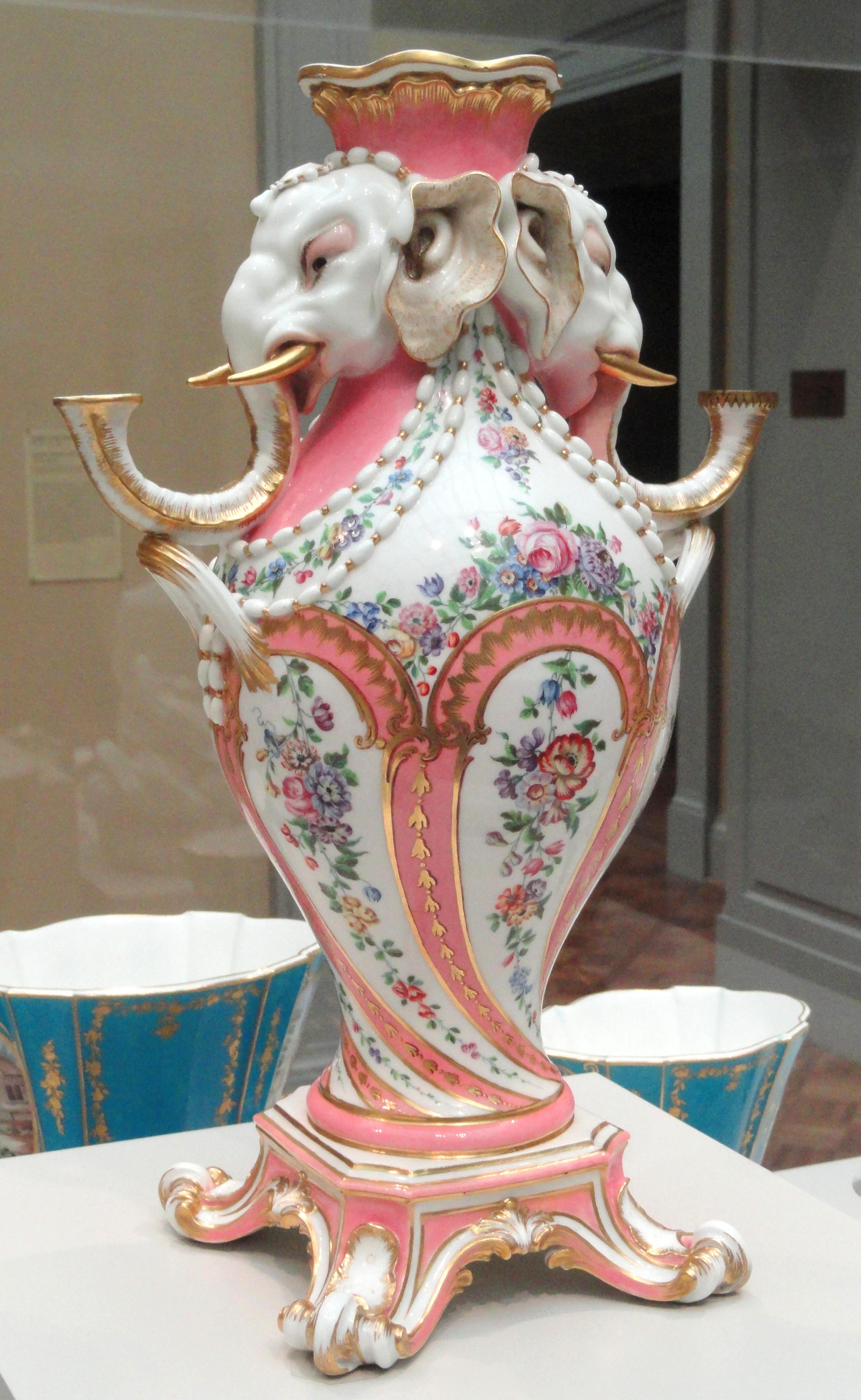 Elephant_Candelabrum_Vase%2C_1757-1758%2
