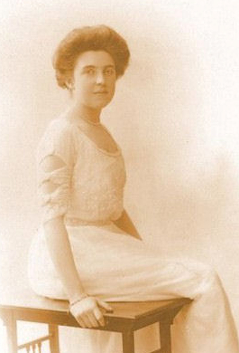 Portrait of Elsie Bowerman